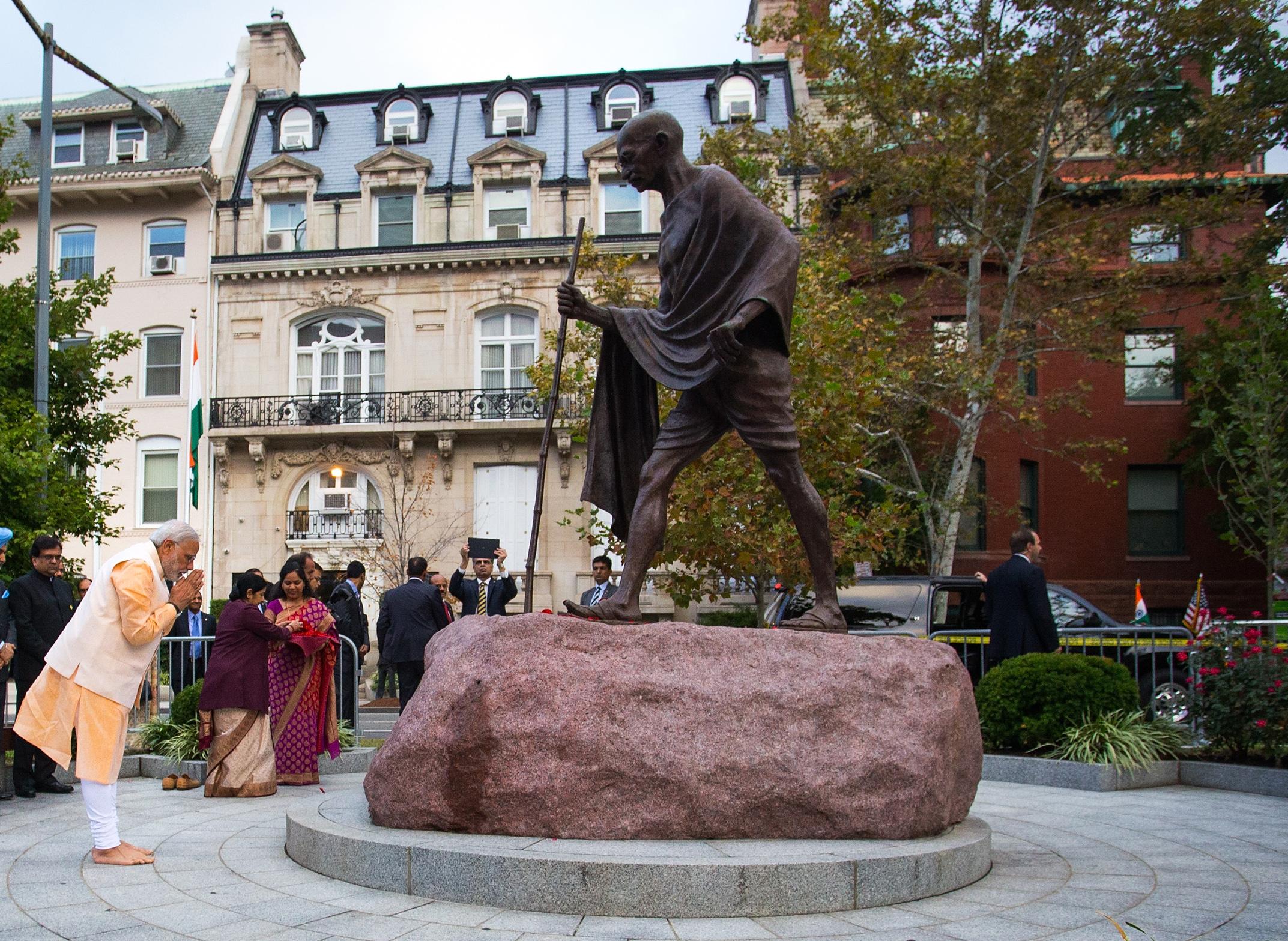 India-Mahatma-Gandhi-statue