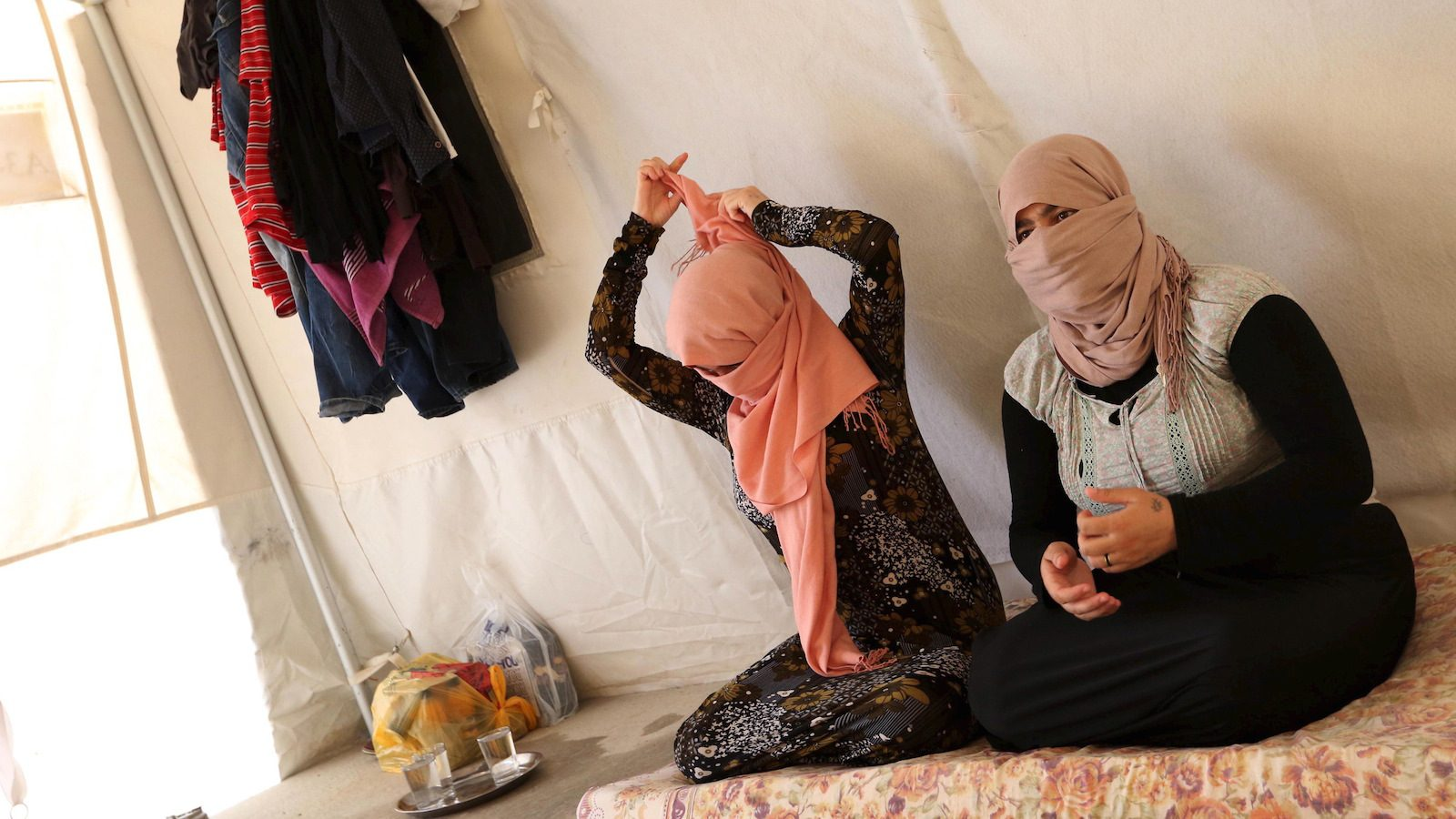 Women who escaped from captivity by IS militants