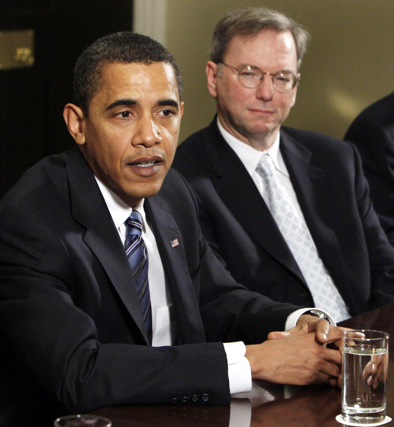 Schmidt and Obama at a White House meeting in 2009.