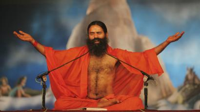 Baba Ramdev S Patanjali An Indian Yoga Guru Is Building One Of The Country S Biggest Consumer Goods Companies Quartz India