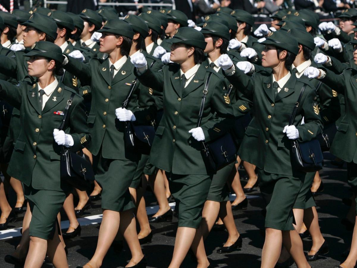 Female best soldiers looking Army Colonel: