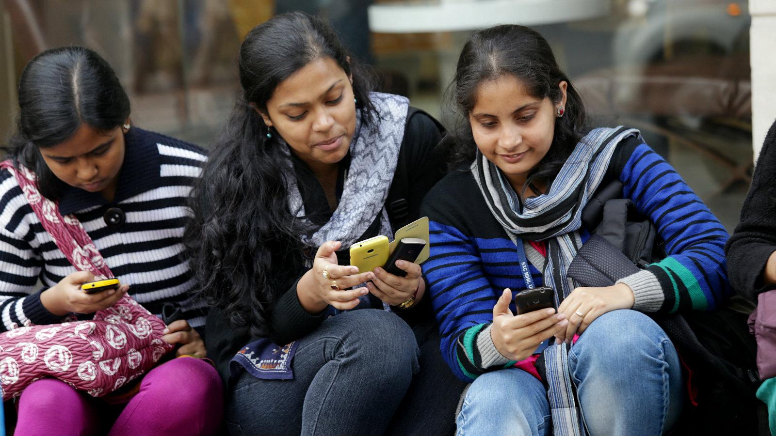 INDIA-SMARTPHONES-STARTUPS