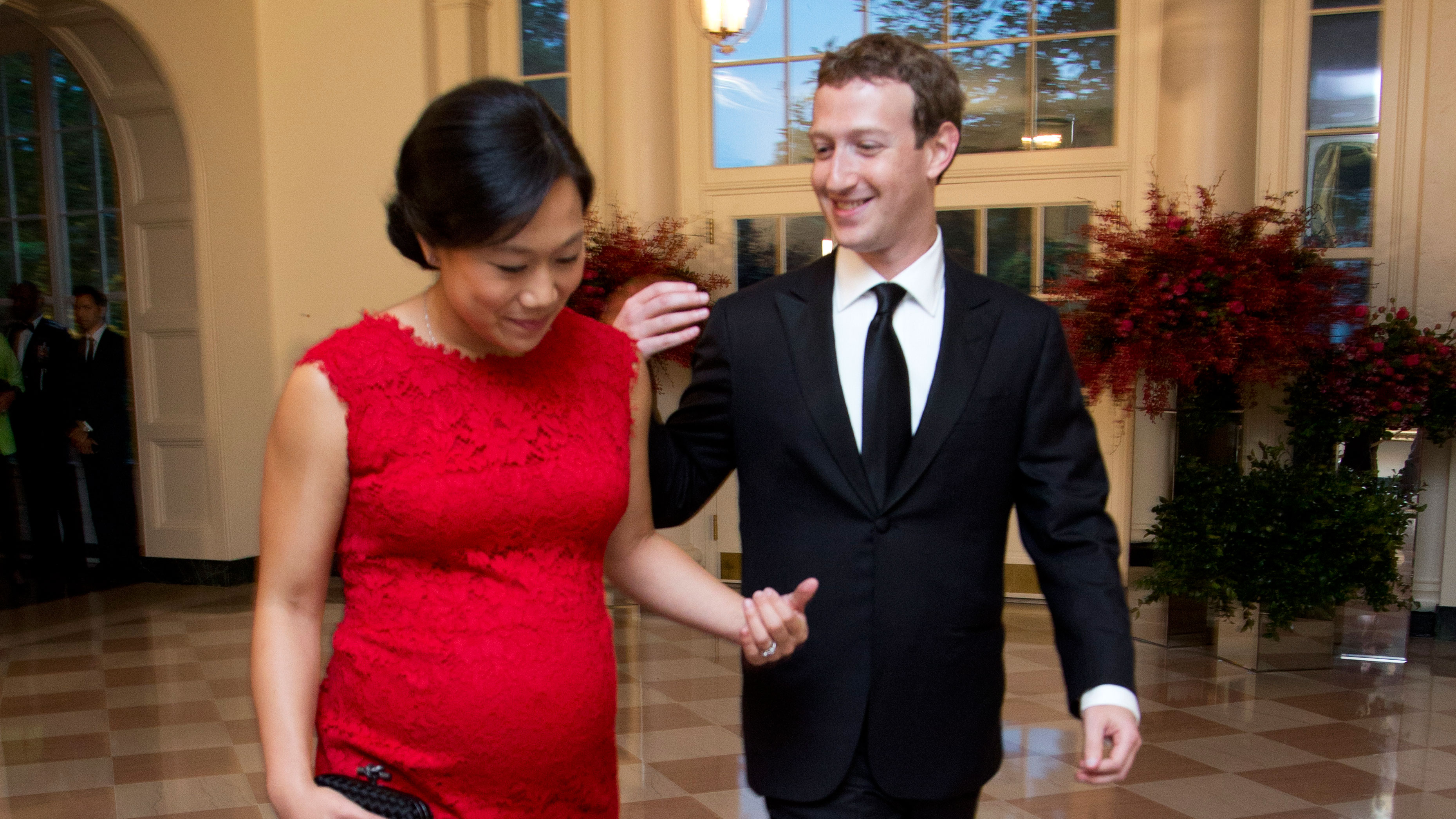 Mark Zuckerberg's daughter Max is born—and he's giving away