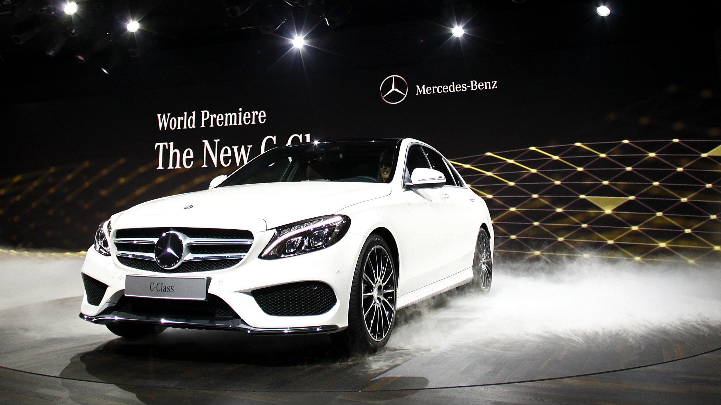 Mercedes-Benz PHOTOGRAPHER Joshua Lott