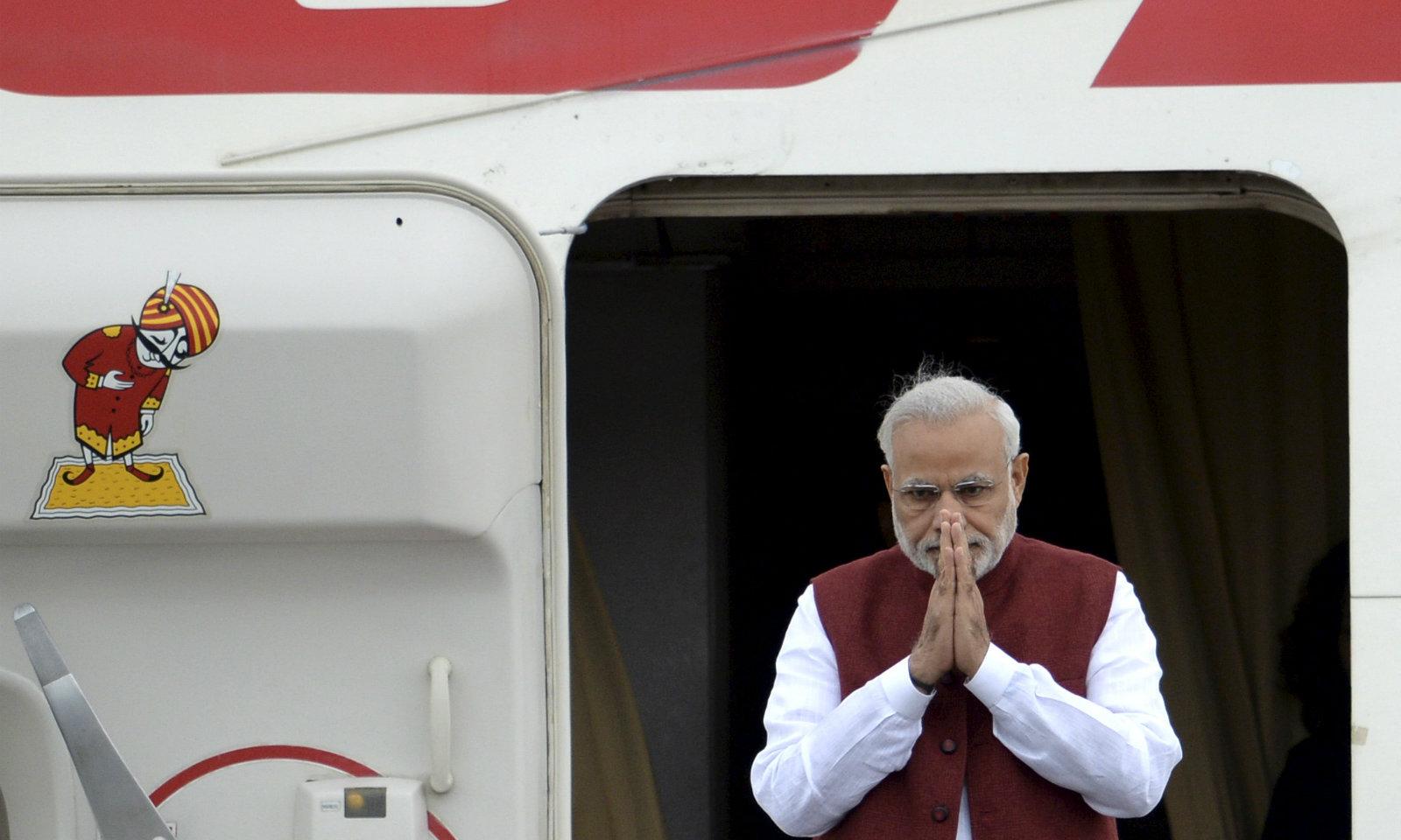 India-aircraft-Modi-poor