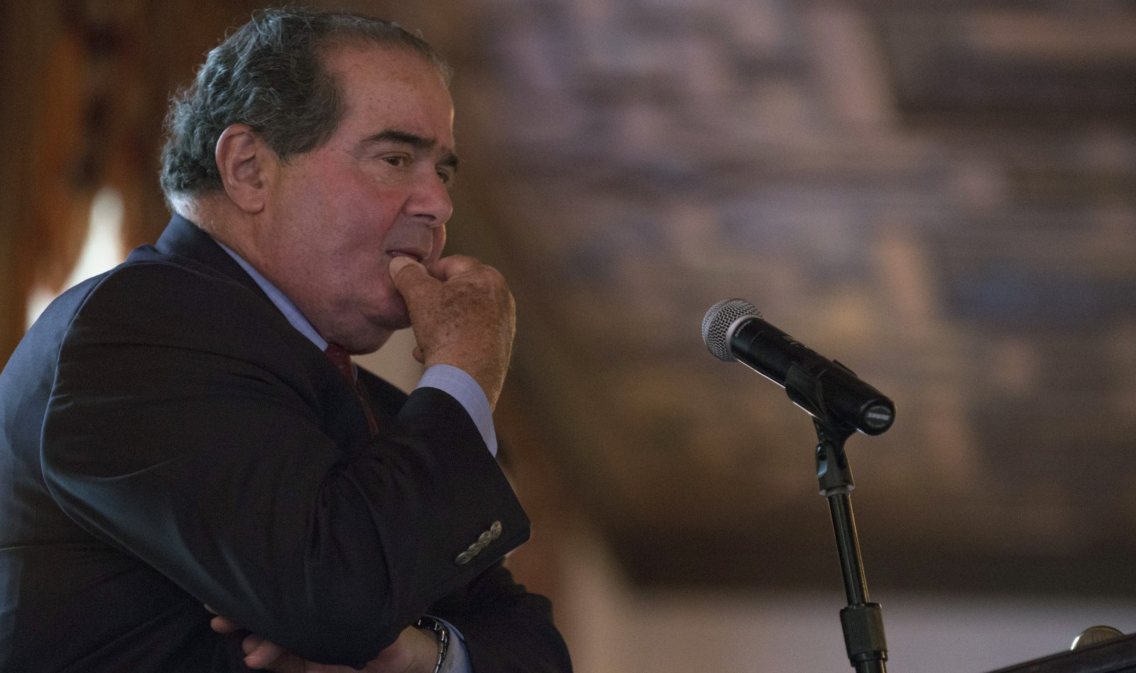 U.S. Supreme Court Justice Antonin Scalia listens to a question after speaking at an event sponsored by the Federalist Society at the New York Athletic Club in New York October 13, 2014. REUTERS/Darren Ornitz (UNITED STATES - Tags: CRIME LAW) - RTR4A1D9