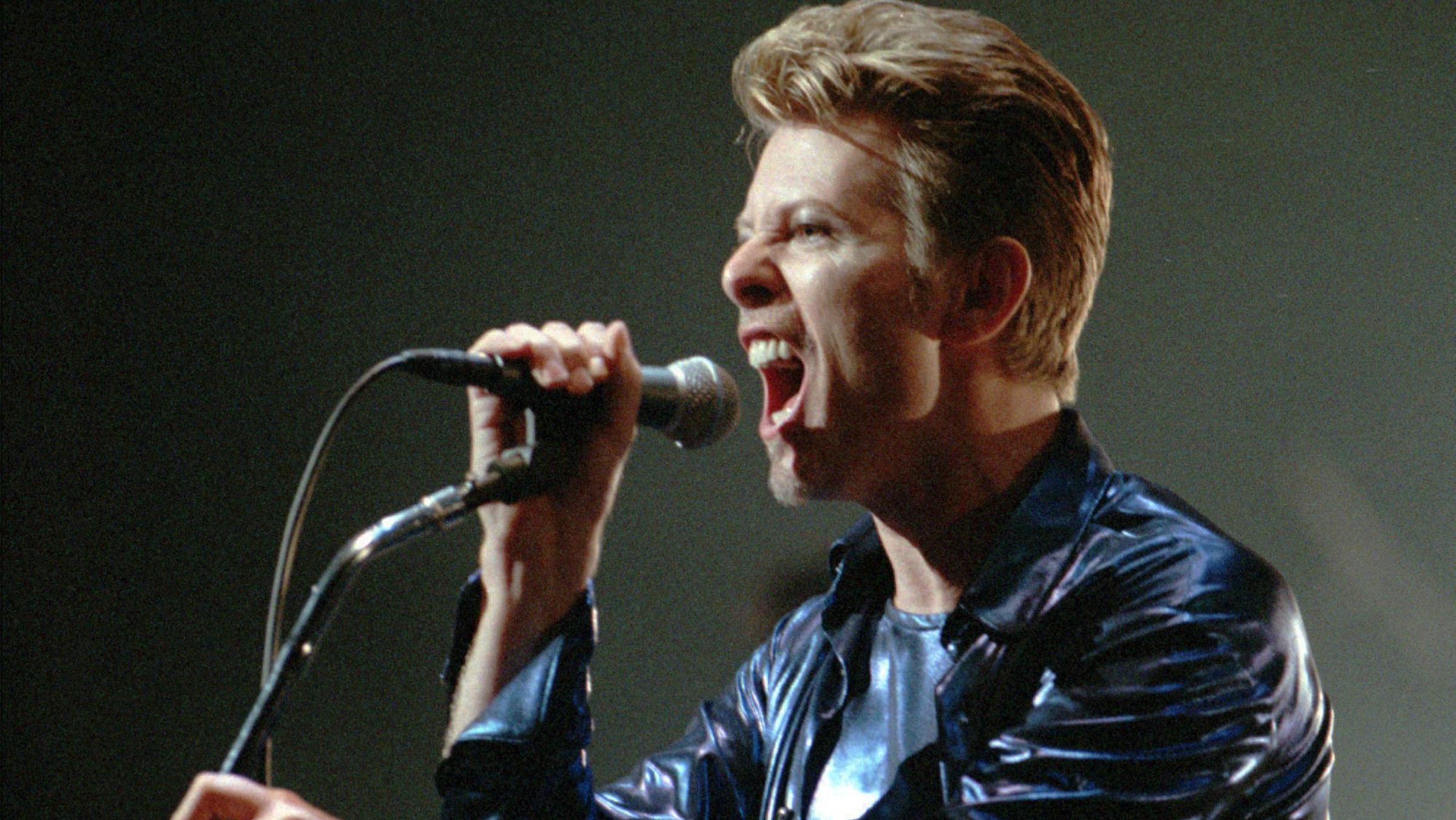 David Bowie in 1995