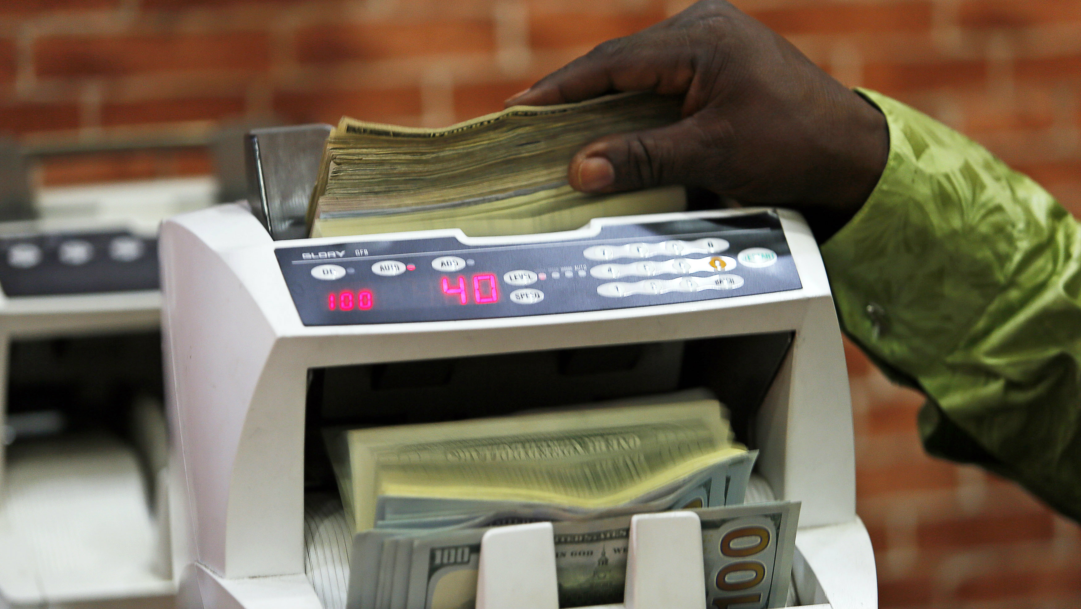 Nigerians Can Finally Use Their Bank Cards Outside The Country Again