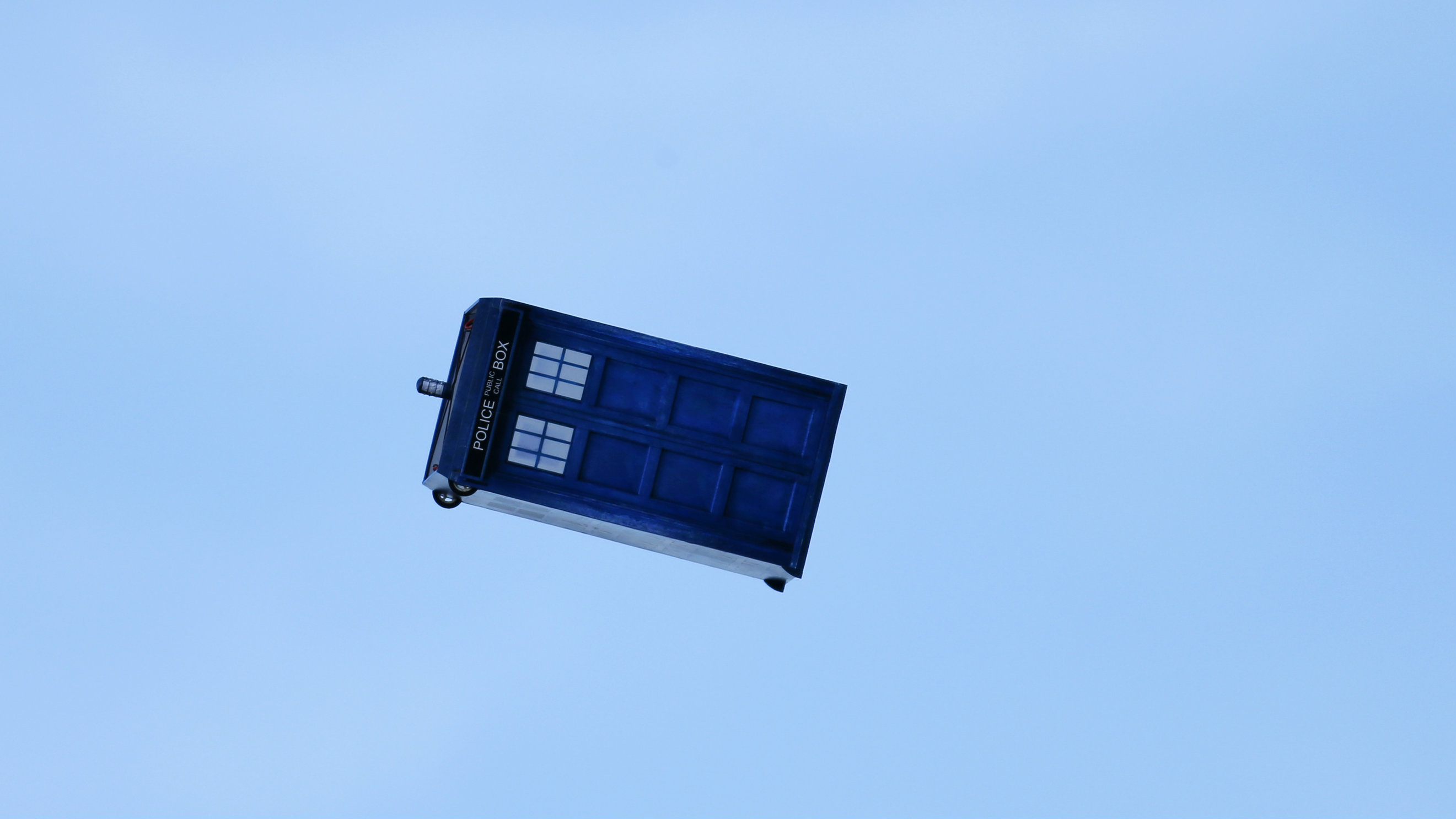 """A flying """"Tardis"""" remote control air craft is test flown in San Diego, California November18, 2013. Inventor Otto Dieffenbach built the """"Tardis"""", an old fashioned police call box used as a time machine in the British television series Dr. Who, to celebrate the show's 50th season this year. REUTERS/Mike Blake (UNITED STATES - Tags: ENTERTAINMENT SOCIETY SCIENCE TECHNOLOGY)"""