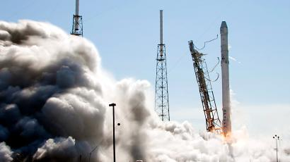 The Falcon 9 SpaceX rocket lifts off from launch complex 40 at the Cape Canaveral Air Force Station in Cape Canaveral, Fla., Tuesday, April 14, 2015. The rocket is transporting more than 4,300 pounds of supplies and payloads, including critical materials to directly support research at the International Space Station.
