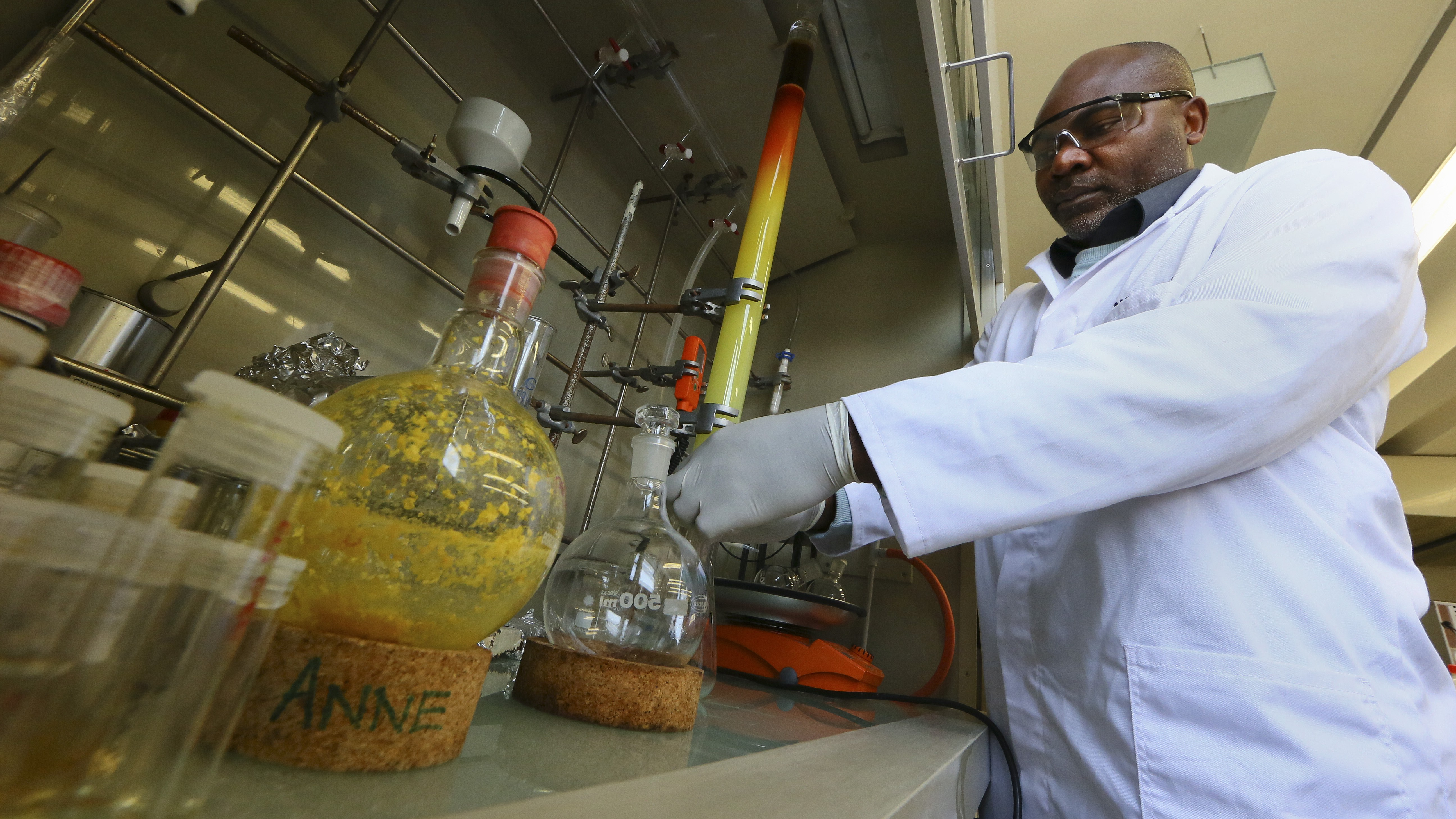 epa03374989 A University of Cape Town (UCT) scientist works in the Drug Discovery and Development Centre (H3-D) laboratory in Cape Town, South Africa, 30 August 2012. South African Science and Technology Minister Naledi Pandor announced 28 August 2012 the discovery of a compound that has the potential to become a single-dose cure for all strains of Malaria. The synthetic molecule from the aminopyridine class  was discovered by the H3-D scientists in collaboration with the Medicines for Malaria Venture (MMV) from Switzerland. Professor Kelly Chibale from UCT, leading researcher of the collaborative research project is quoted as saying the molecule had not been tested on humans yet but animal studies had shown 'potent activity against multiple points in the malaria parasite's lifecycle' This is the first compound researched in Africa to enter pre-clinical development that may lead to the single dose cure for Malaria as well as be able to block transmission of the parasite from person to person.  EPA/NIC BOTHMA