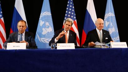 U.S. Secretary of State John Kerry, center, Russian Foreign Minister Sergey Lavrov, left, and UN Special Envoy for Syria Staffan de Mistura, right, arrive for a news conference after the International Syria Support Group (ISSG) meeting in Munich, Germany, Friday, Feb. 12, 2016. Talks aimed at narrowing differences over Syria and keeping afloat diplomacy to end its civil war have gotten under way in Munich. (AP Photo/Matthias Schrader)