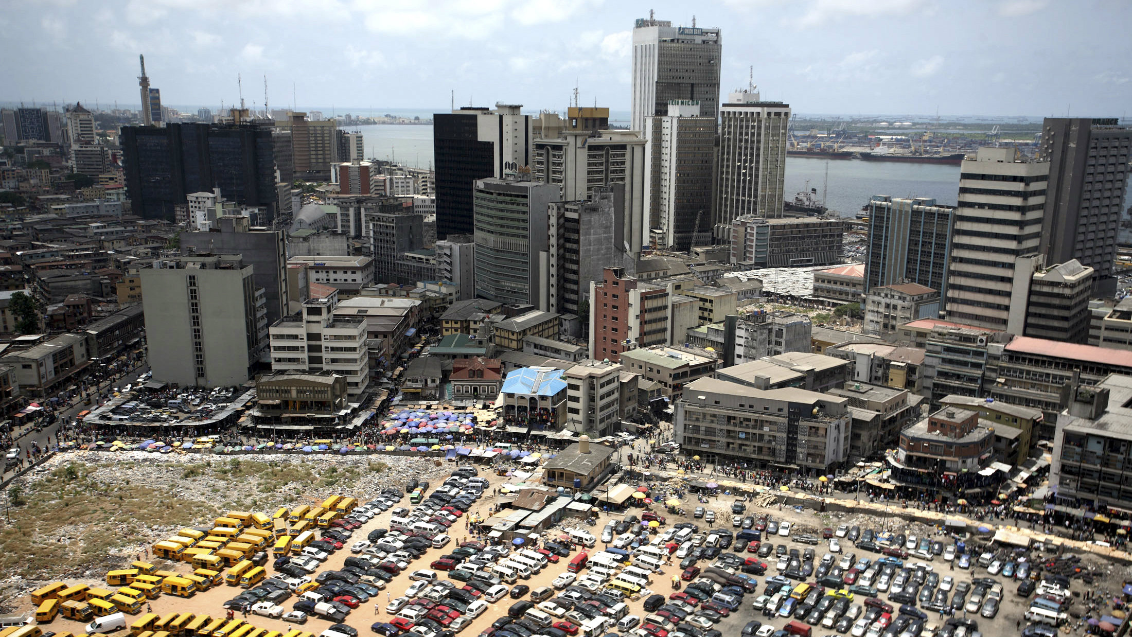 An aerial view shows the central business district in Nigeria's commercial capital of Lagos, April 7, 2009.