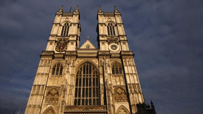Afternoon sun illuminates Westminster Abbey in London April 15, 2011.