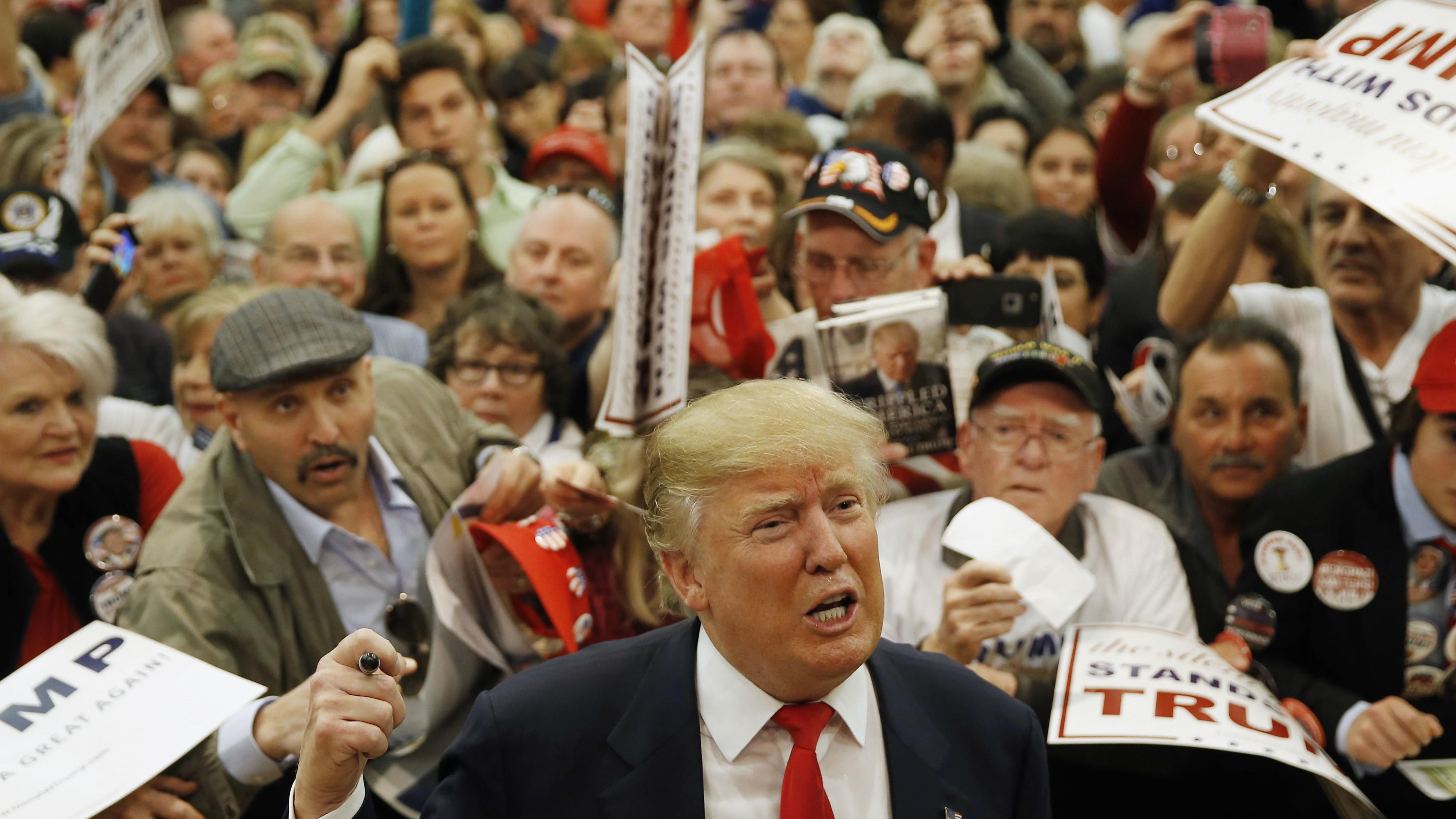 Trump-Economics-Behind-Him