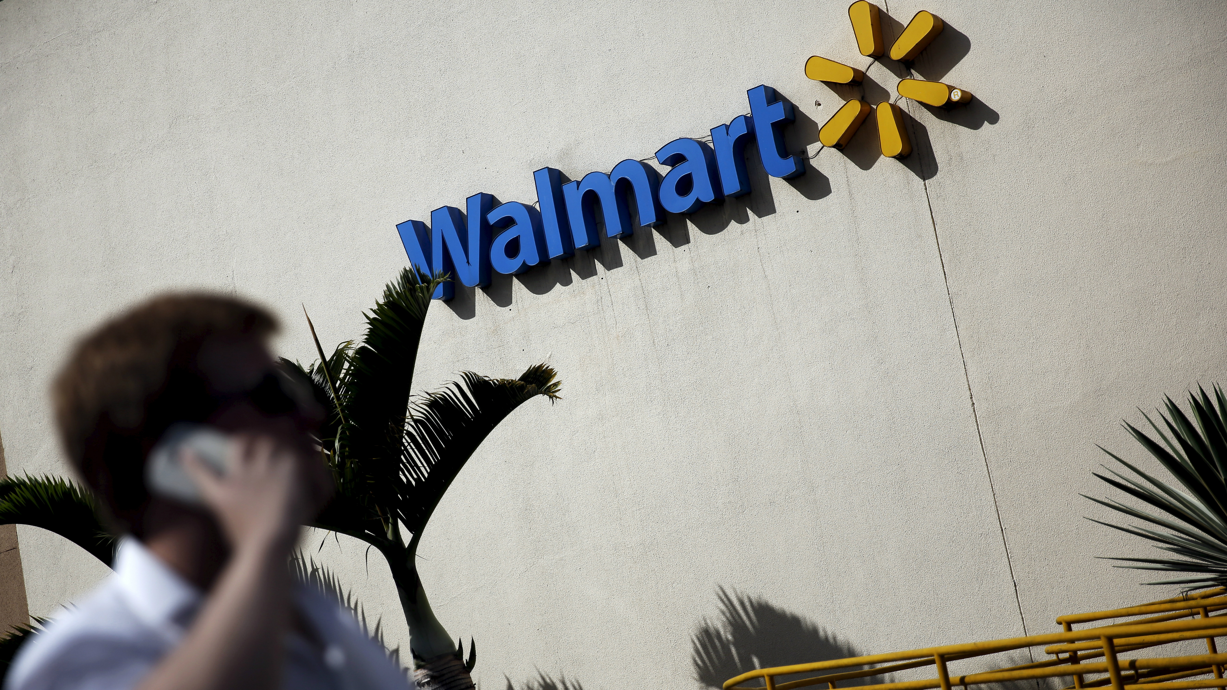 Walmart's fourth quarter sales in the US rose slightly for the sixth consecutive time.
