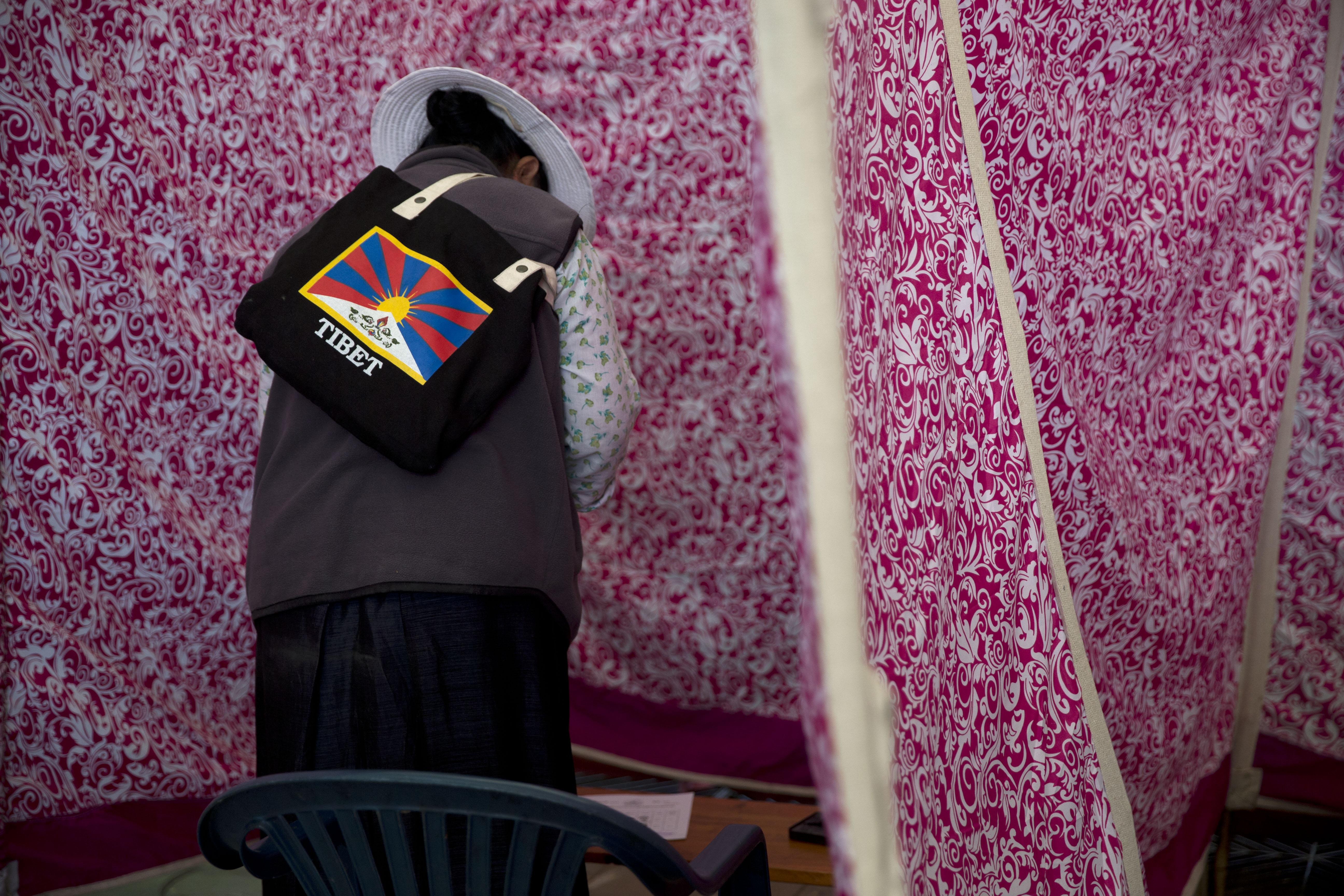 India-Tibet-vote