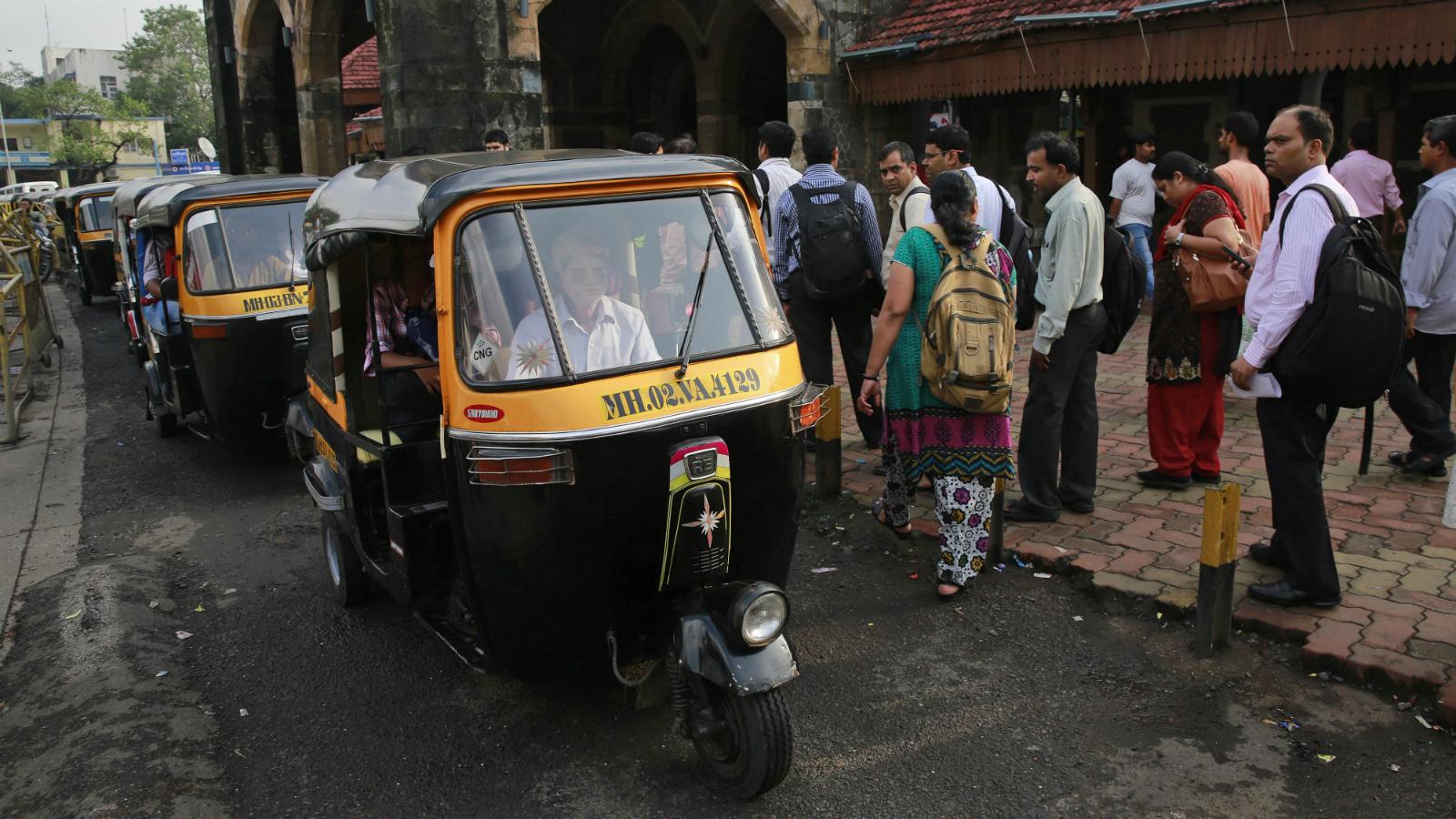 Zoom car-Auto rickshaw-Self drive-Narendra Modi