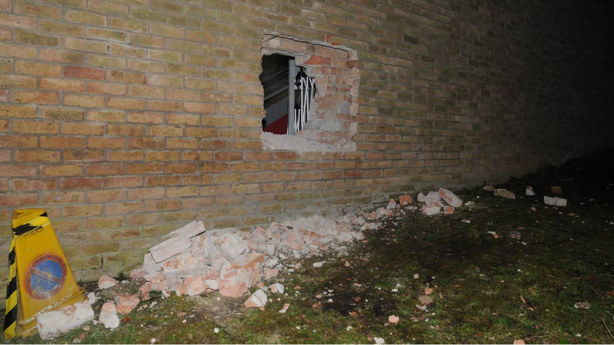 Hole in wall external