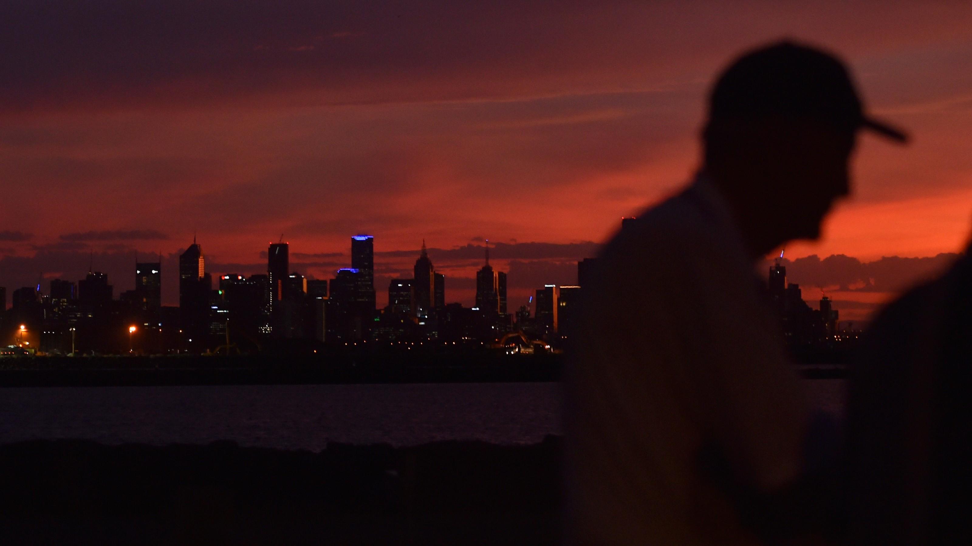 A hot night in Melbourne.
