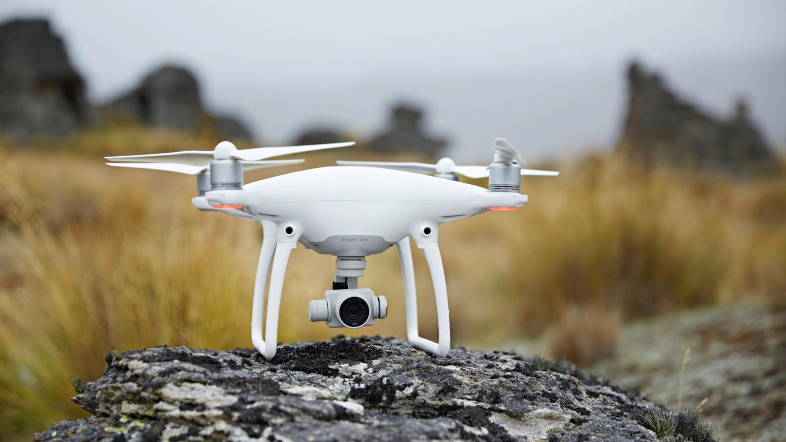 Review Djis Phantom 4 Is So Close To Being The Drone For Everyone Of Beginners Guide Connecting Your Rc Plane Electronic Parts But Its Not Quite There Quartz