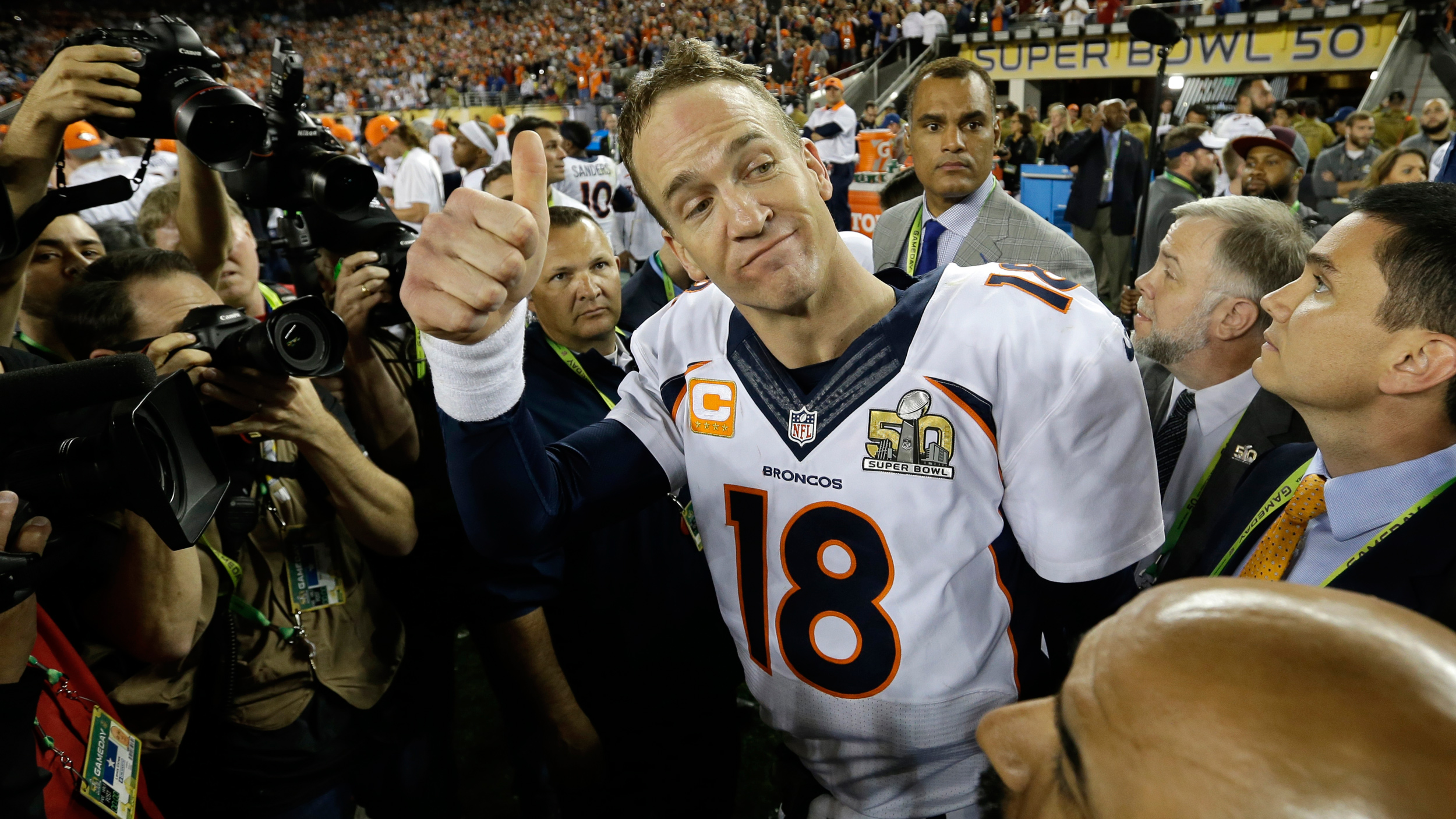 5a78410944d 39-year-old Peyton Manning will retire from the NFL with the most career  earnings of any player