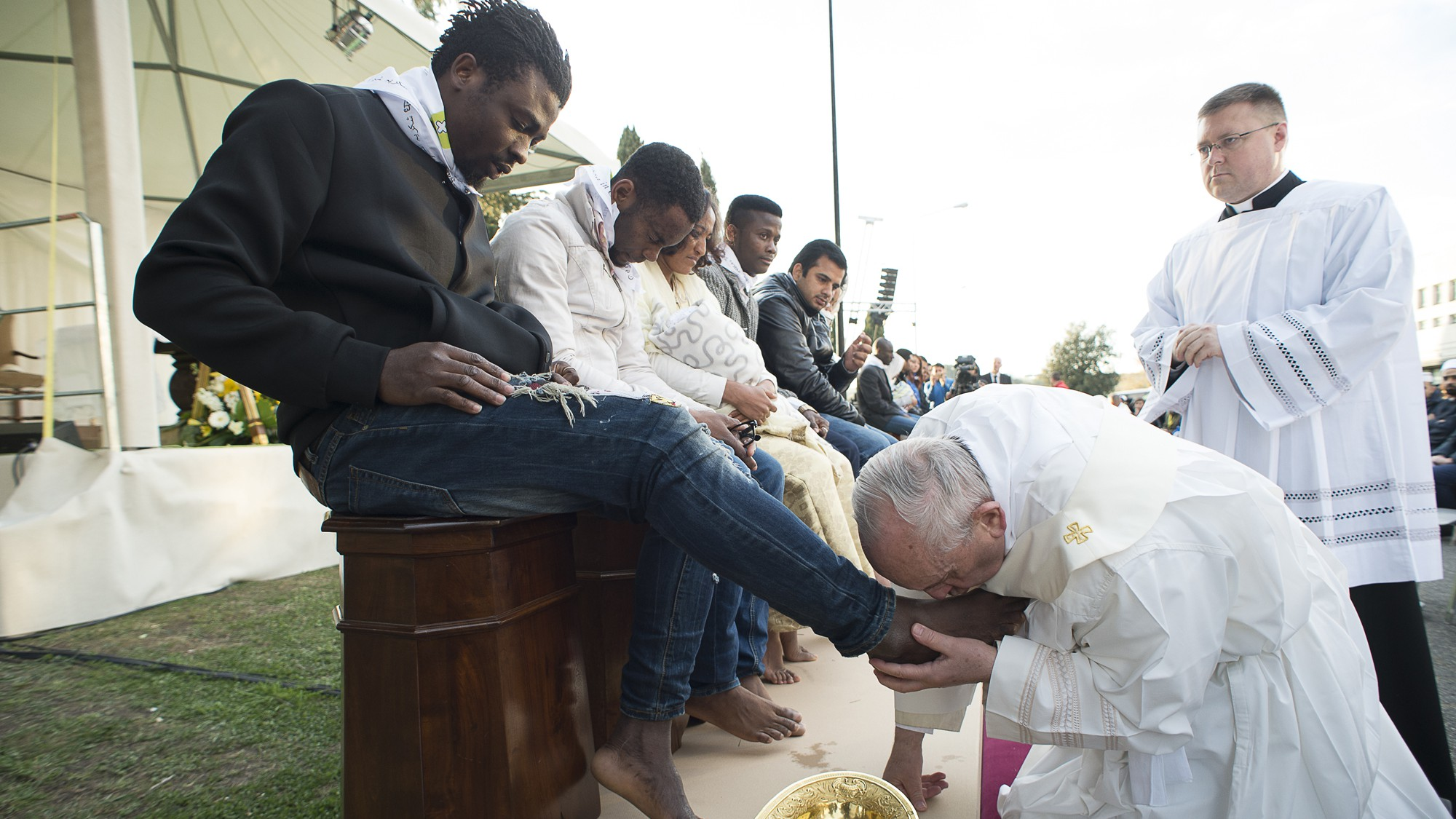 castelnuovo di porto muslim girl personals Pope francis washed and kissed the feet of muslim,  feet of immigrants at holy thursday celebration: 'we are brothers'  castelnuovo di porto, italy.