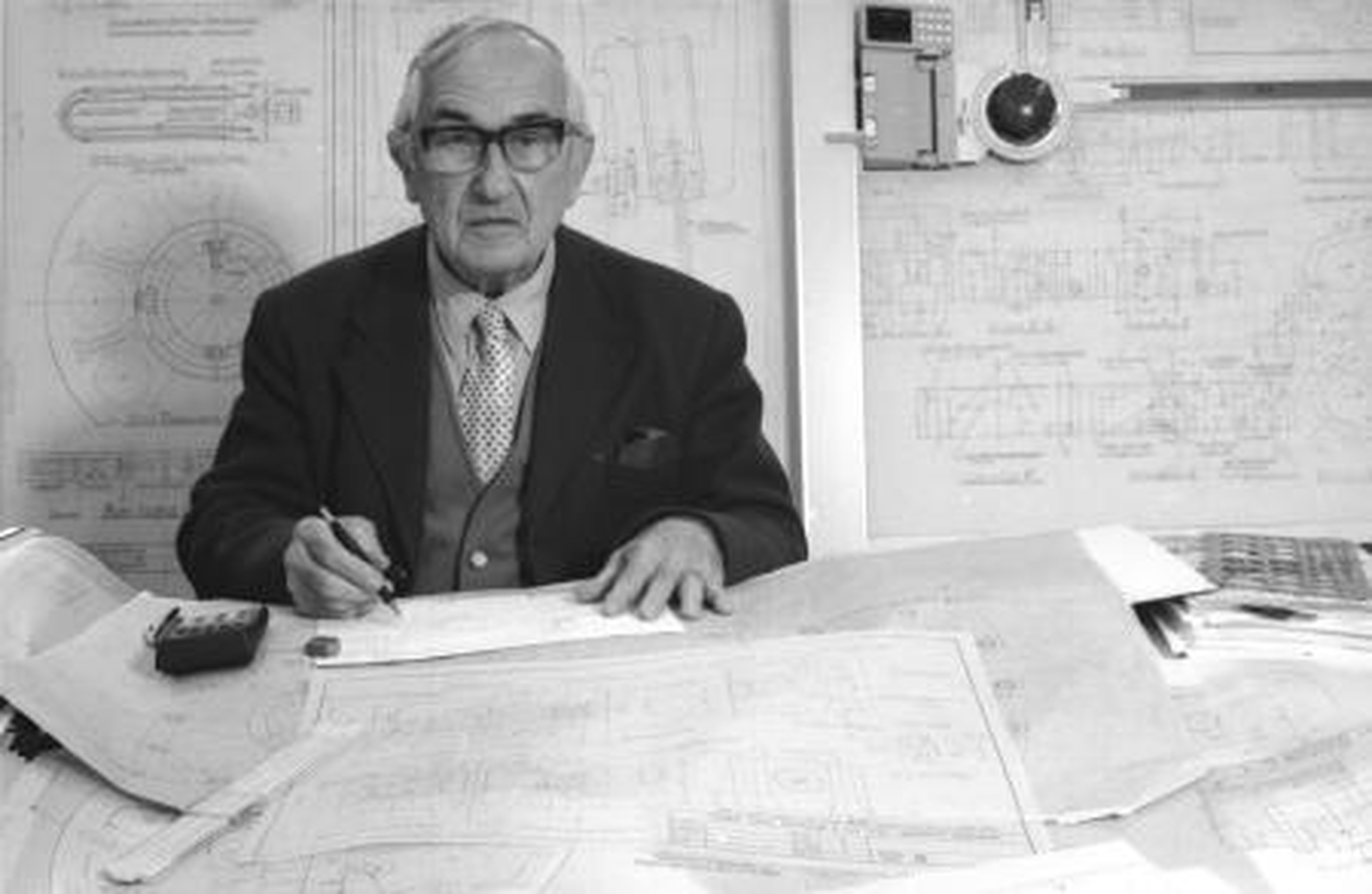 Robert Clark and wave power designs, Edinburgh 1985.