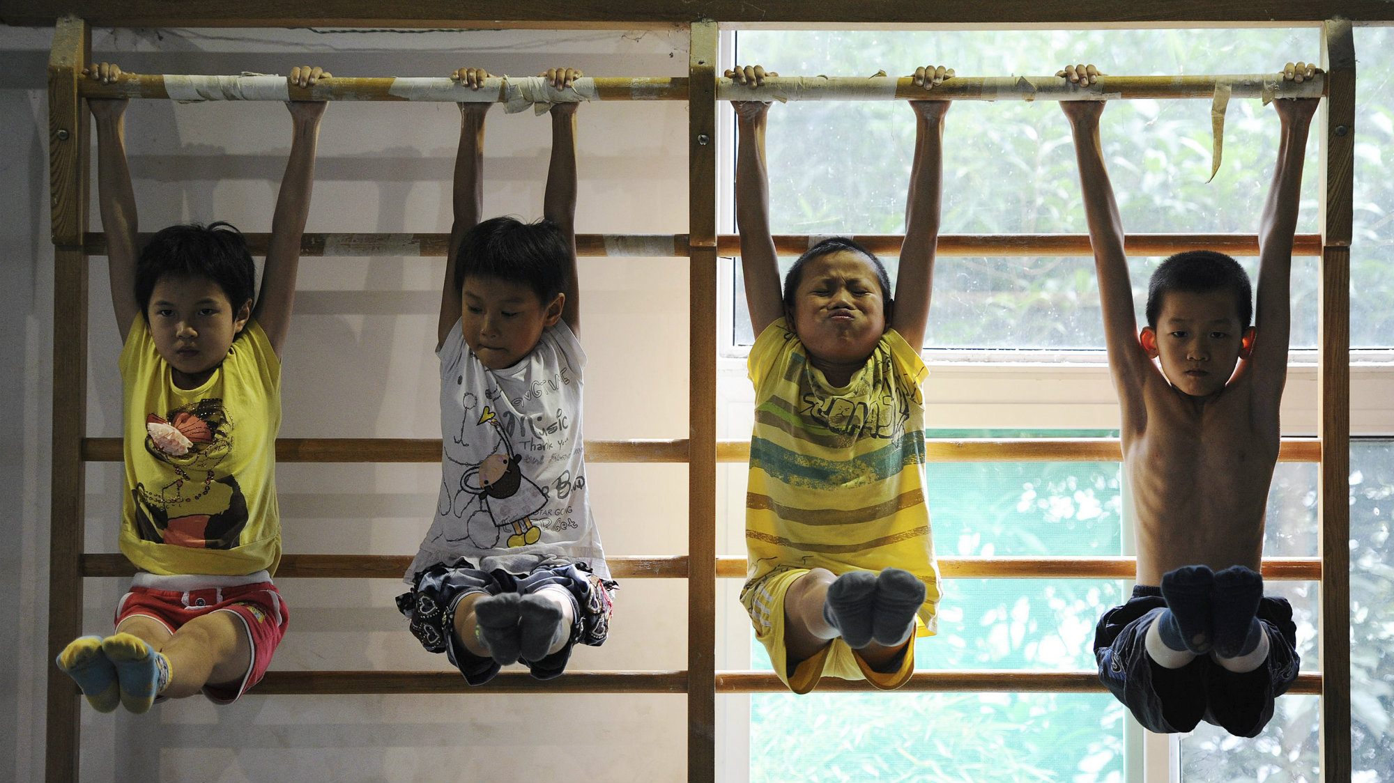Young divers attend a training session at a gymnasium in Hefei, Anhui province.