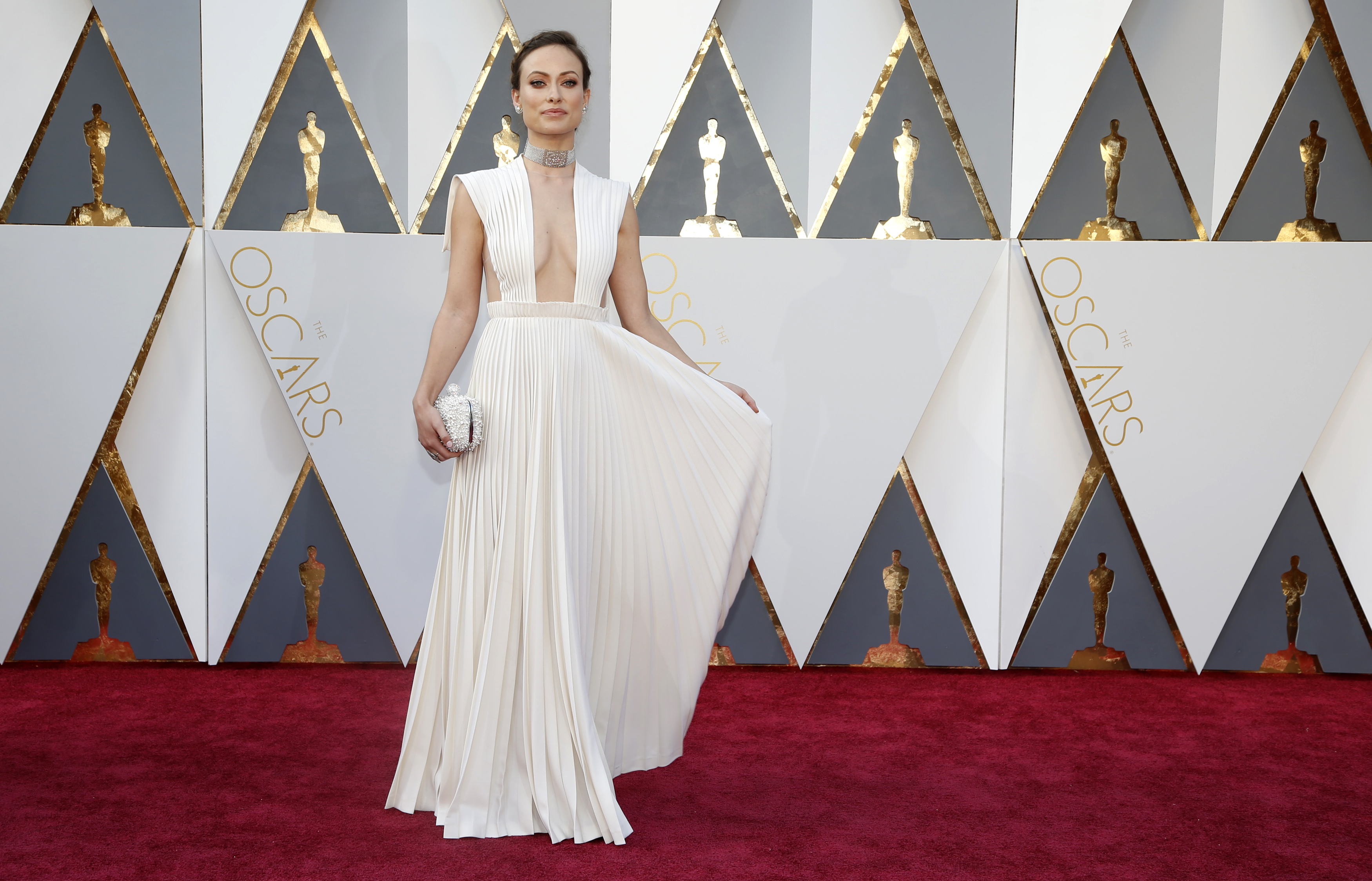 Actress Oliva Wilde arrives wearing Valentino at the 88th Academy Awards in Hollywood, California February 28, 2016.