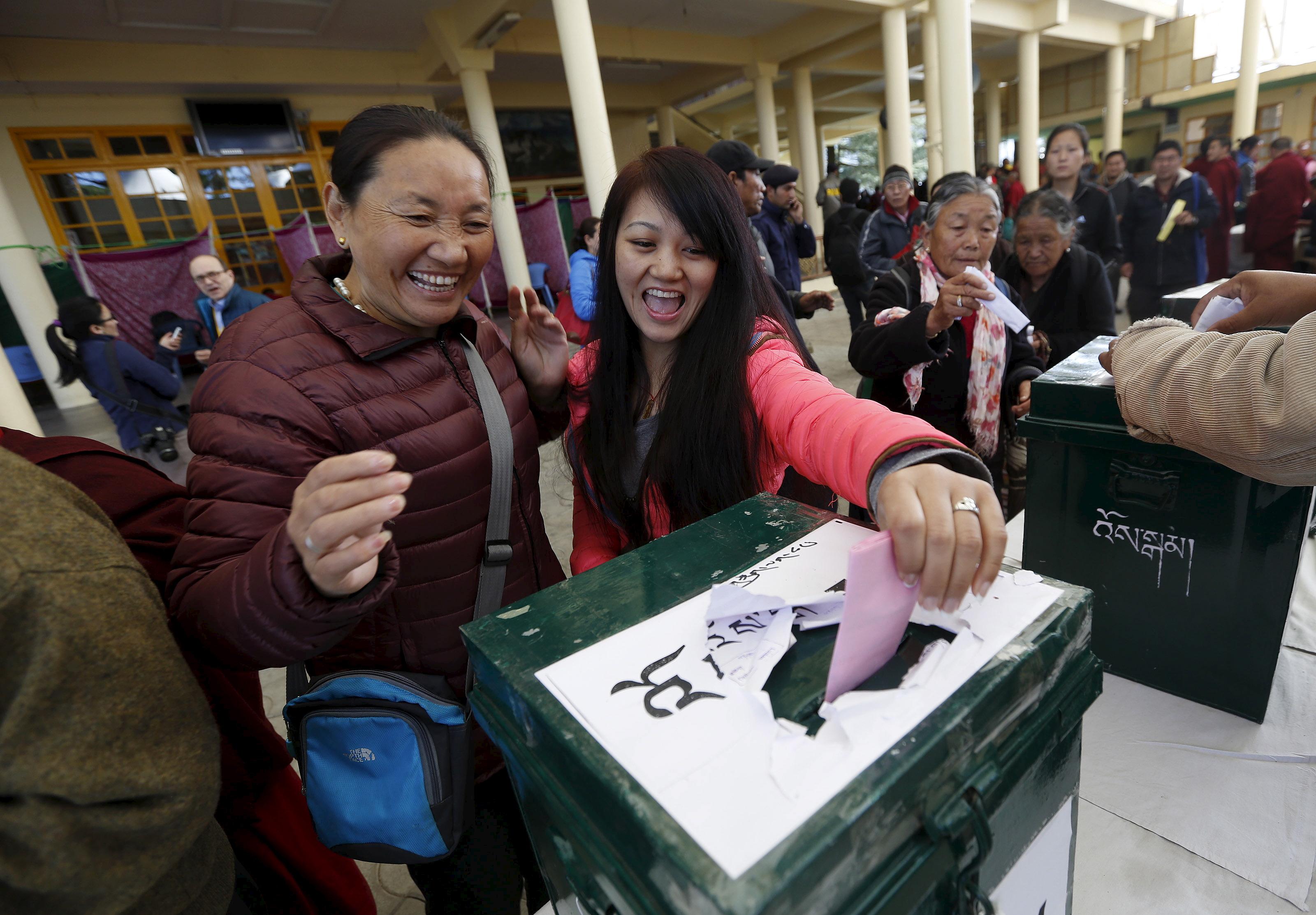 India-tibet-voting-Dharamsala
