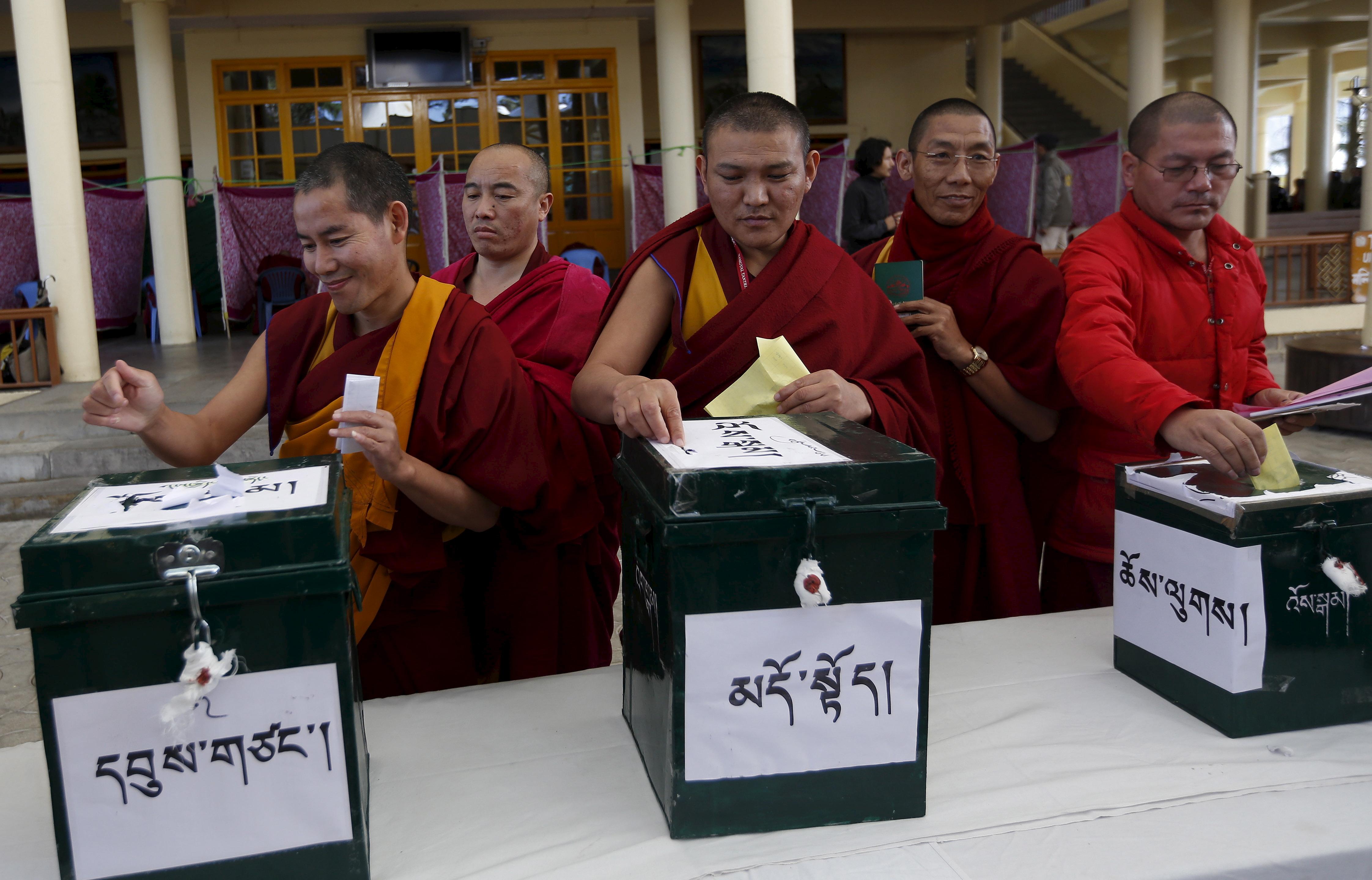 india-tibet-voting-dalai