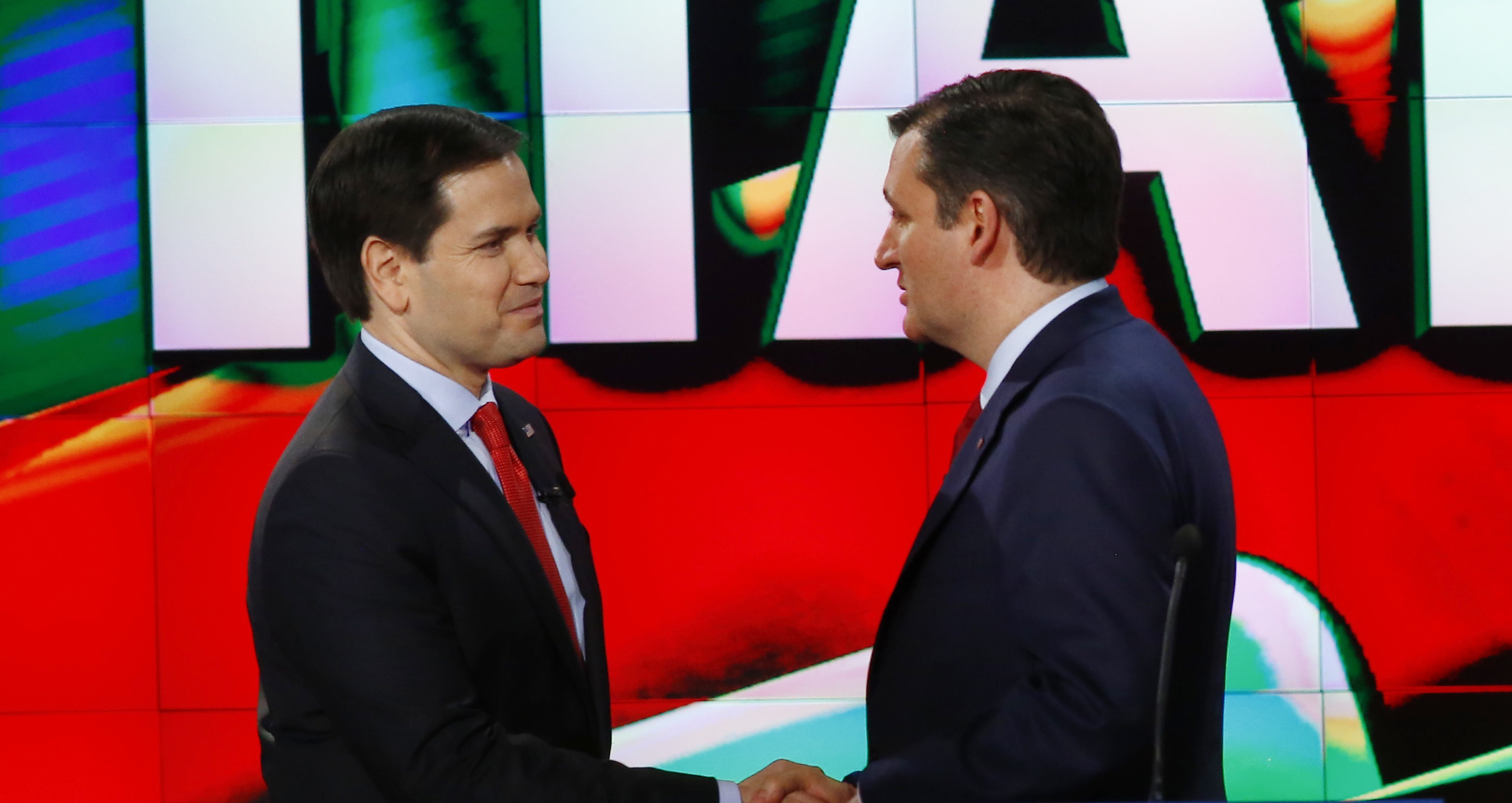 Republican U.S. presidential candidates Rubio and Cruz shake hands at the conclusion of the debate sponsored by CNN for the 2016 Republican U.S. presidential candidates in Houston