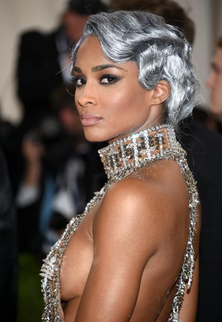 """Ciara arrives at The Metropolitan Museum of Art Costume Institute Benefit Gala, celebrating the opening of """"Manus x Machina: Fashion in an Age of Technology"""" on Monday, May 2, 2016, in New York. (Photo by Evan Agostini/Invision/AP)"""