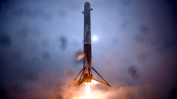 The science behind SpaceX's ambitious plan to land a ...