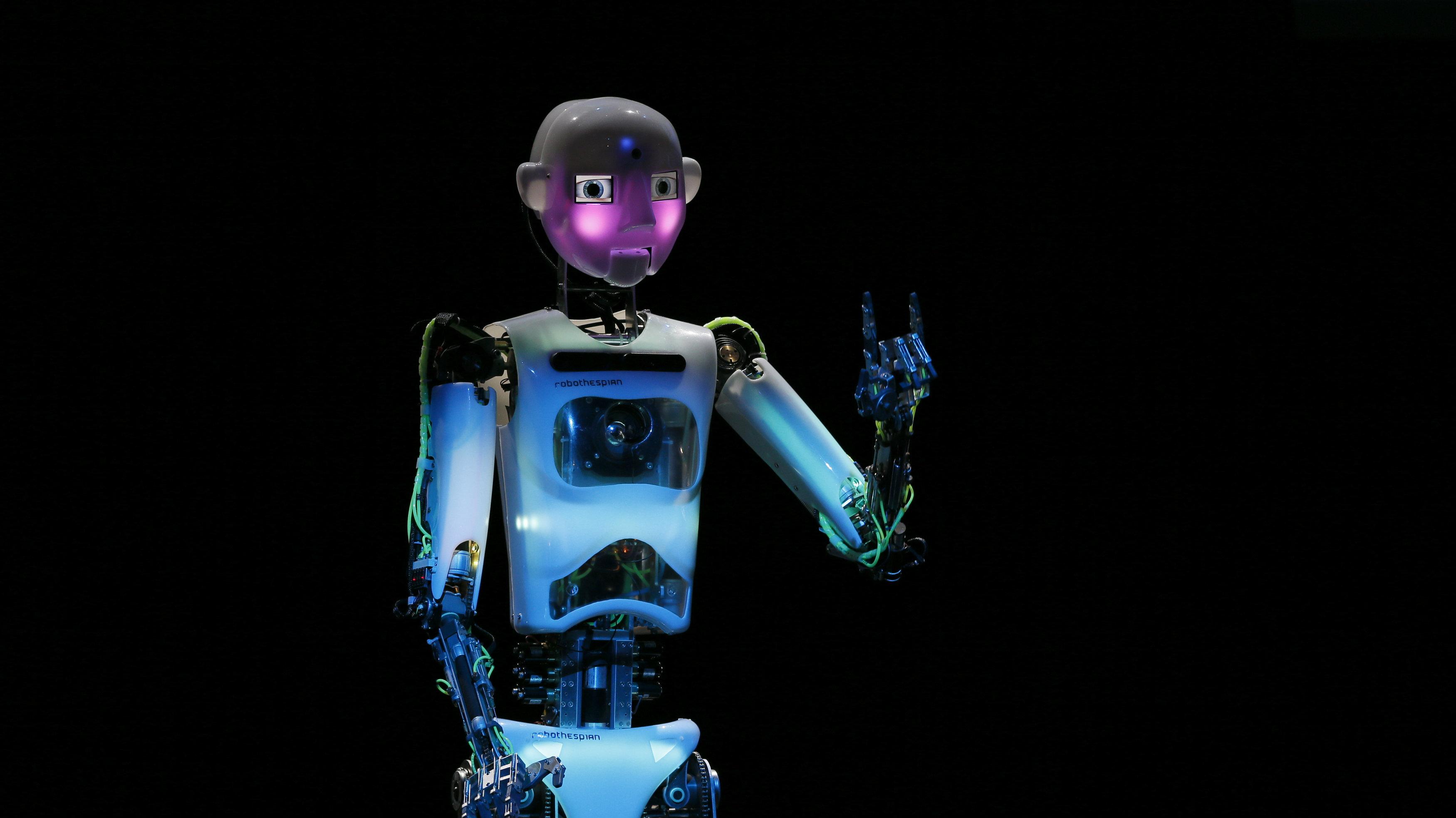 Humanoid robot of British company RoboThespian.
