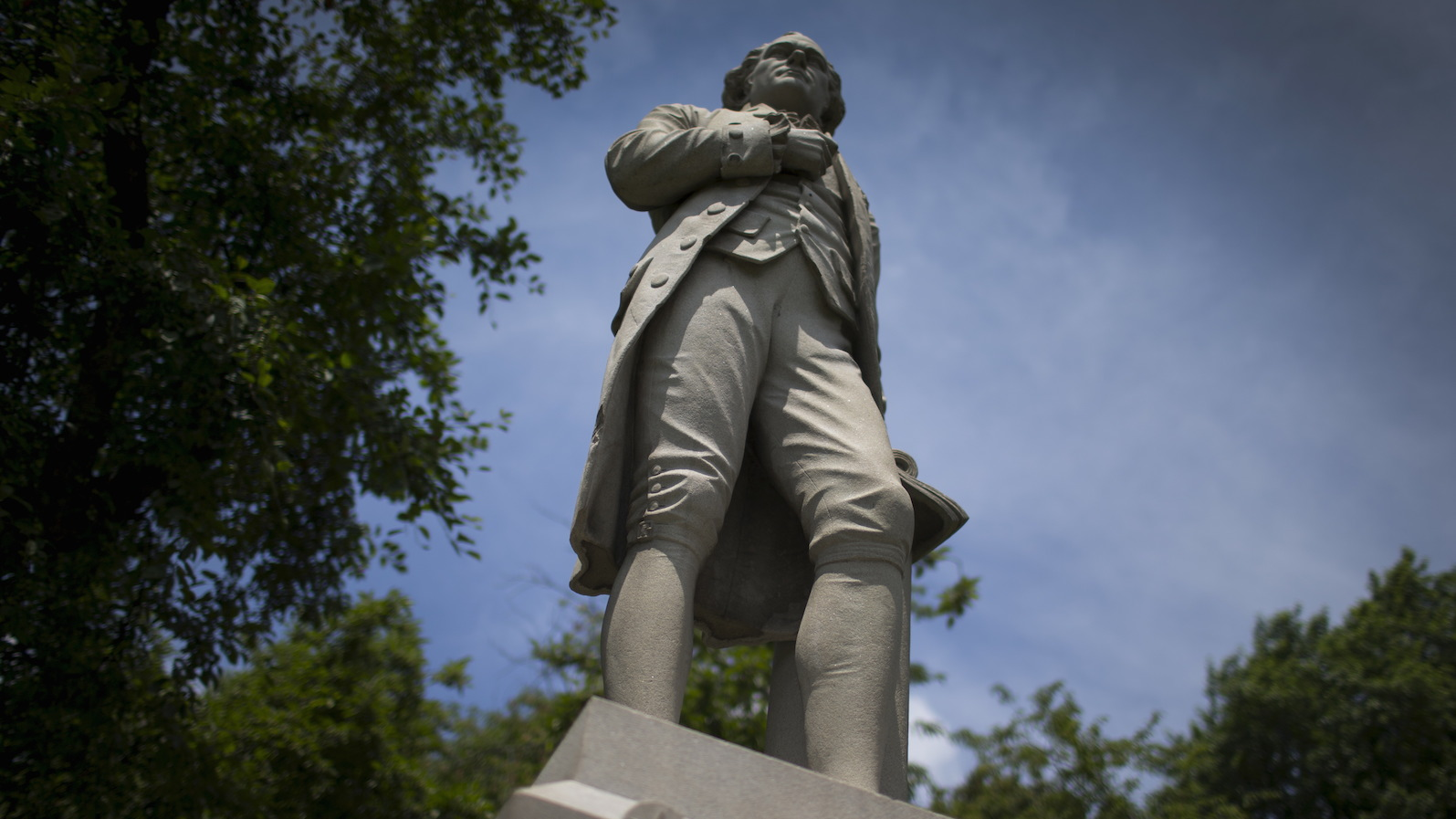 """A statue of Alexander Hamilton stands in New York's Central Park July 28, 2015. A Broadway hip-hop musical """"Hamilton"""" is the hottest ticket in town this summer, and George Cox is, in a word, ecstatic. Cox, founder of the Seattle-based Alexander Hamilton Friends Association, is one of thousands of Americans who have toiled for years to promote the much-neglected legacy of one of the  founding fathers of the United States. Picture taken July 28, 2015. To match THEATRE-HAMILTON/MUSICAL REUTERS/Mike Segar - RTX1MJLJ"""