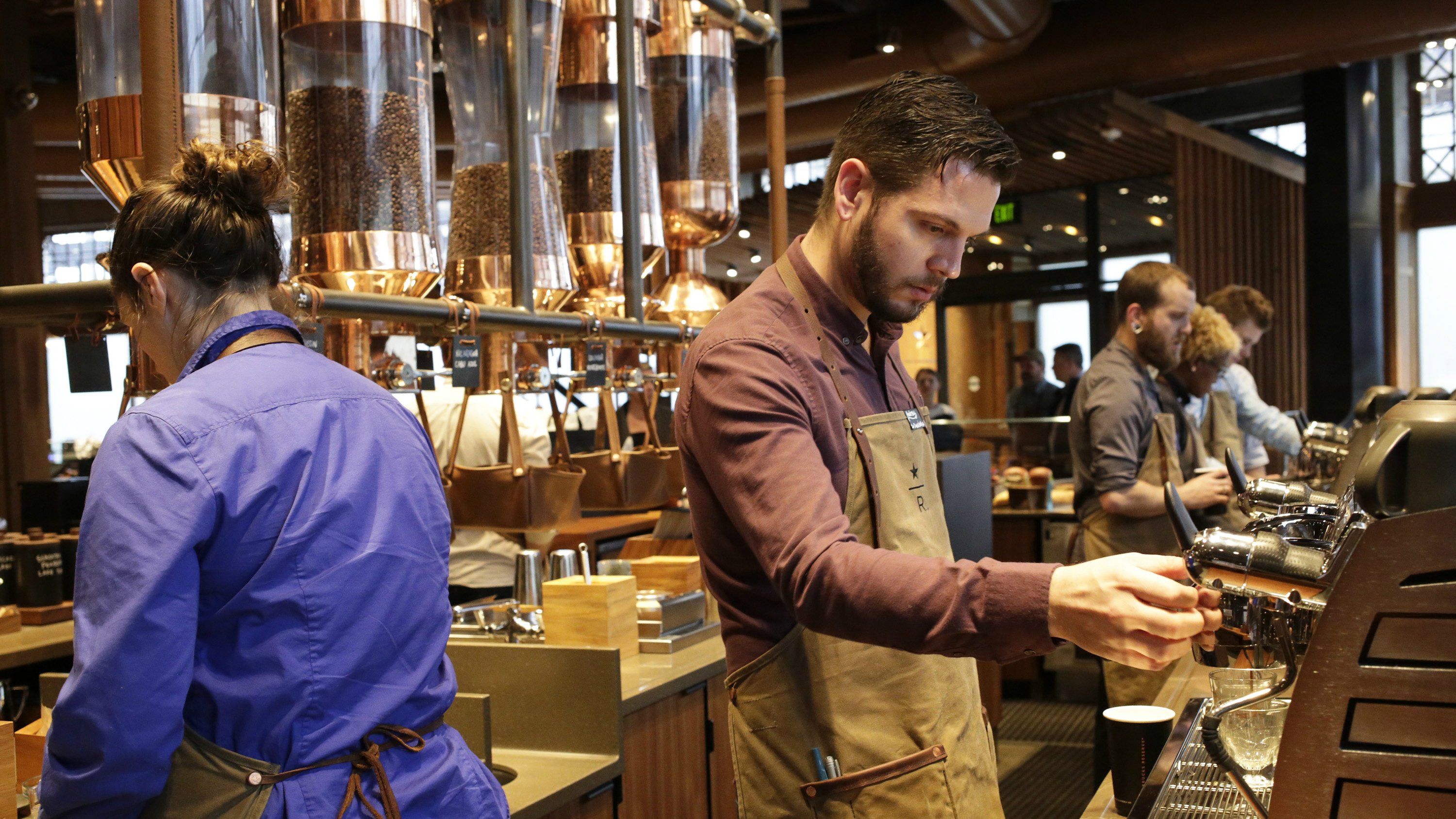 Starbucks plans to open a new roastery location in New York in 2016.
