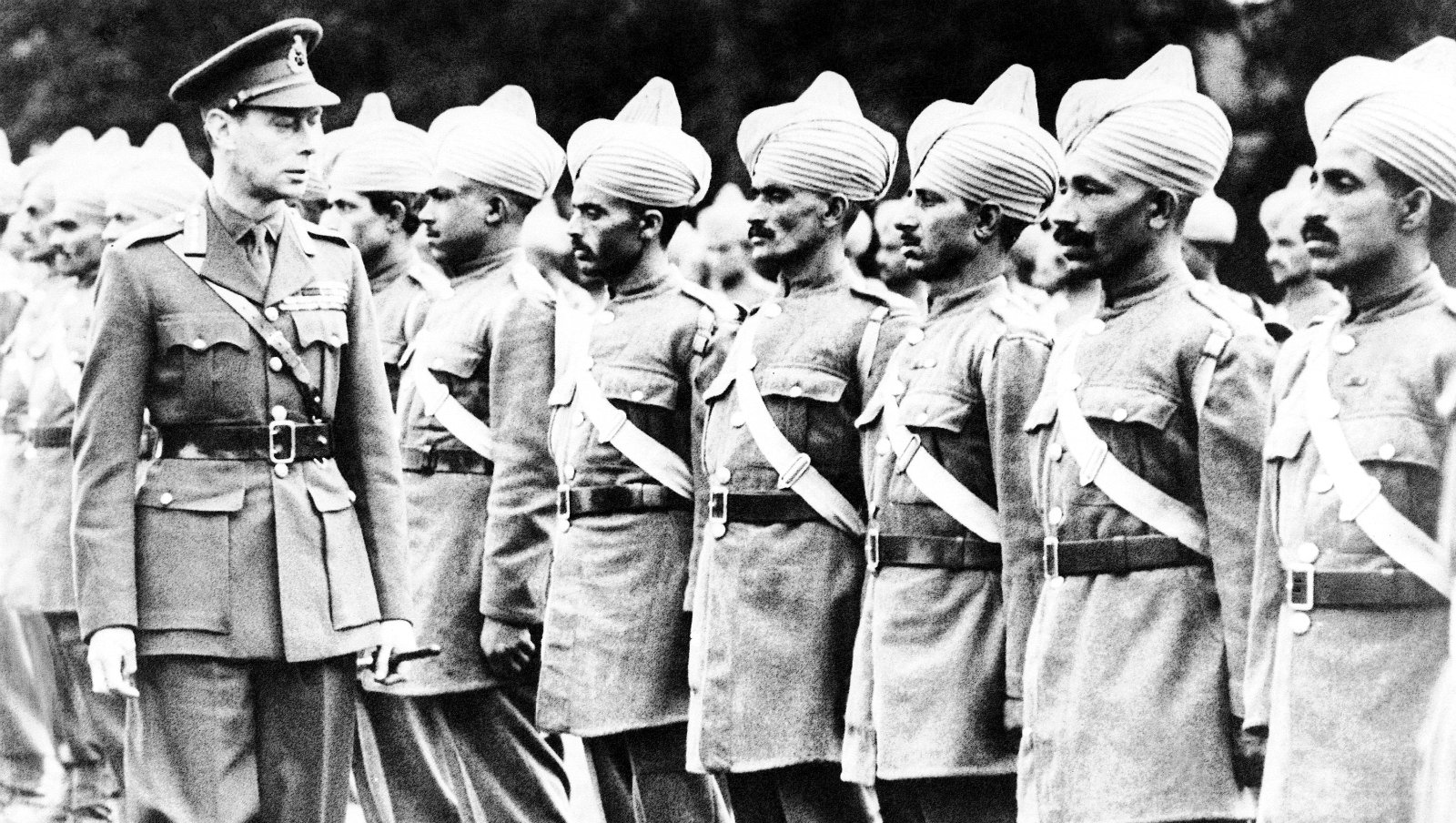indian independence and ww2 The major cause of gandhi's independence movement in india was the fact that the british had colonized india and were ruling it for the benefit of britain rather than for the benefit of the indians.