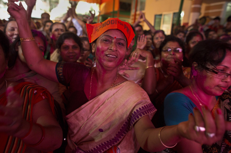 India-Elections-Narendra Modi-Mamata Banerjee