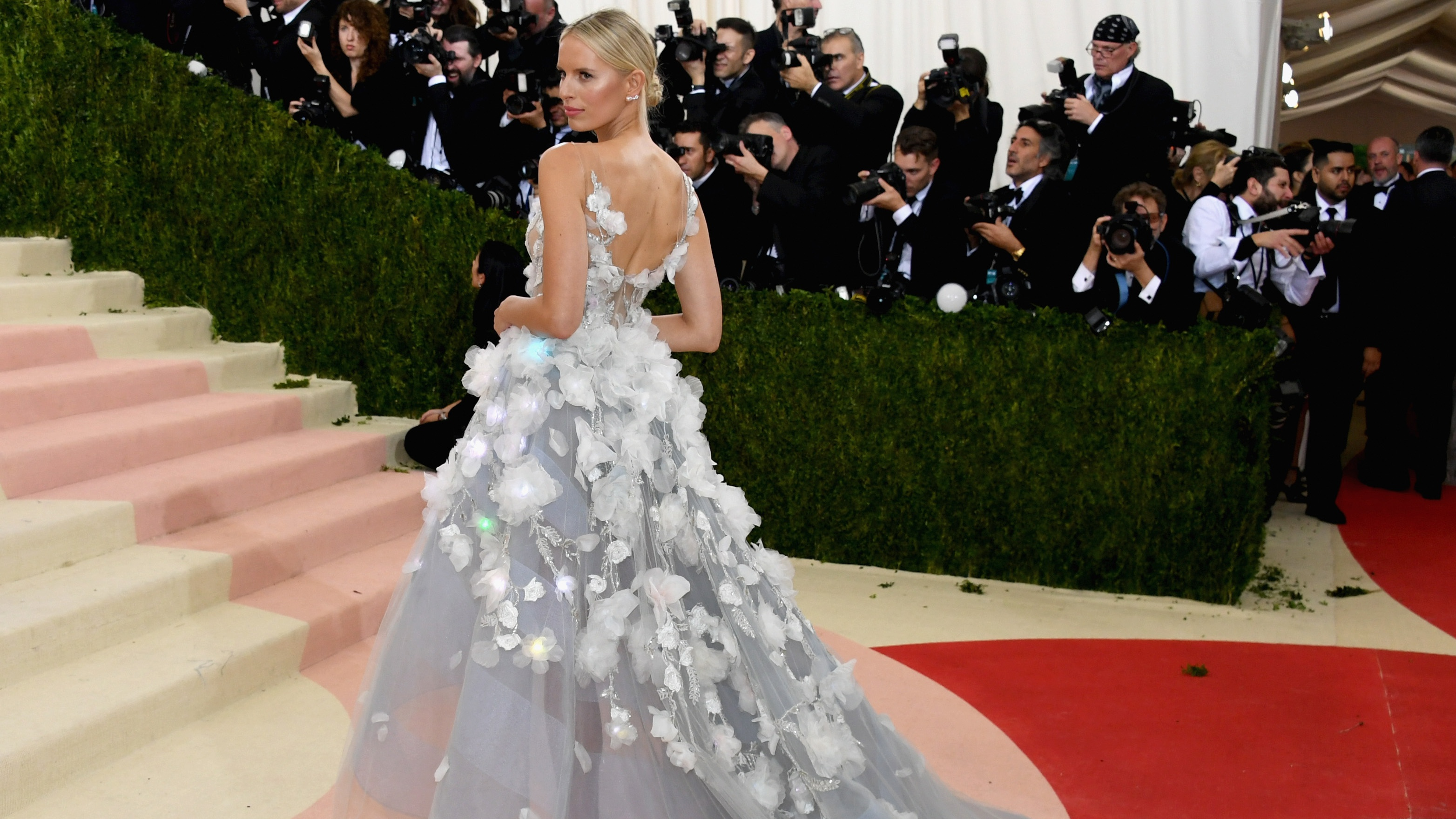 Karolina Kurkova attends the 'Manus x Machina: Fashion In An Age Of Technology' Costume Institute Gala at Metropolitan Museum of Art on May 2, 2016 in New York City. (Photo by Larry Busacca/Getty Images)