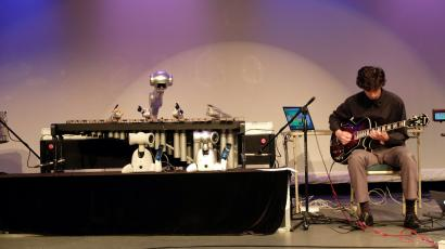 Shimon, the robot marimba player, at Moogfest.