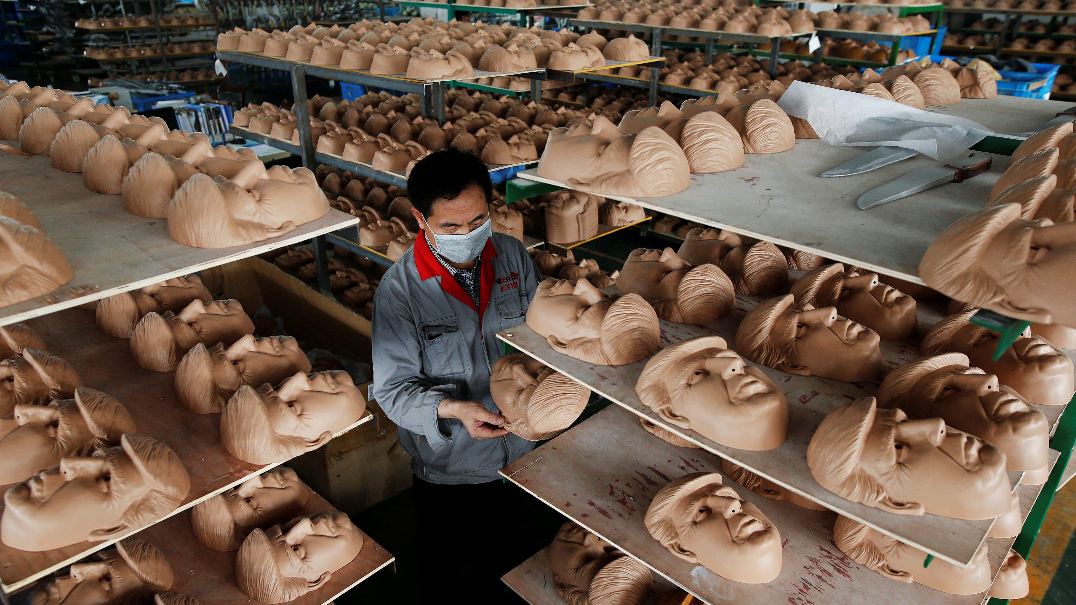 Will Photos Is Factory Be Betting Mask Chinese This Trump Donald