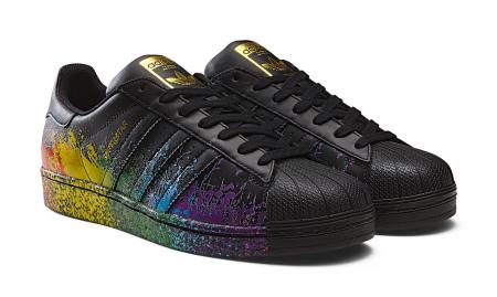 85d9bff5bb1518 The spirited sneaker designs inspired by LGBT pride month — Quartz