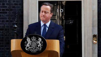 Cameron resigns