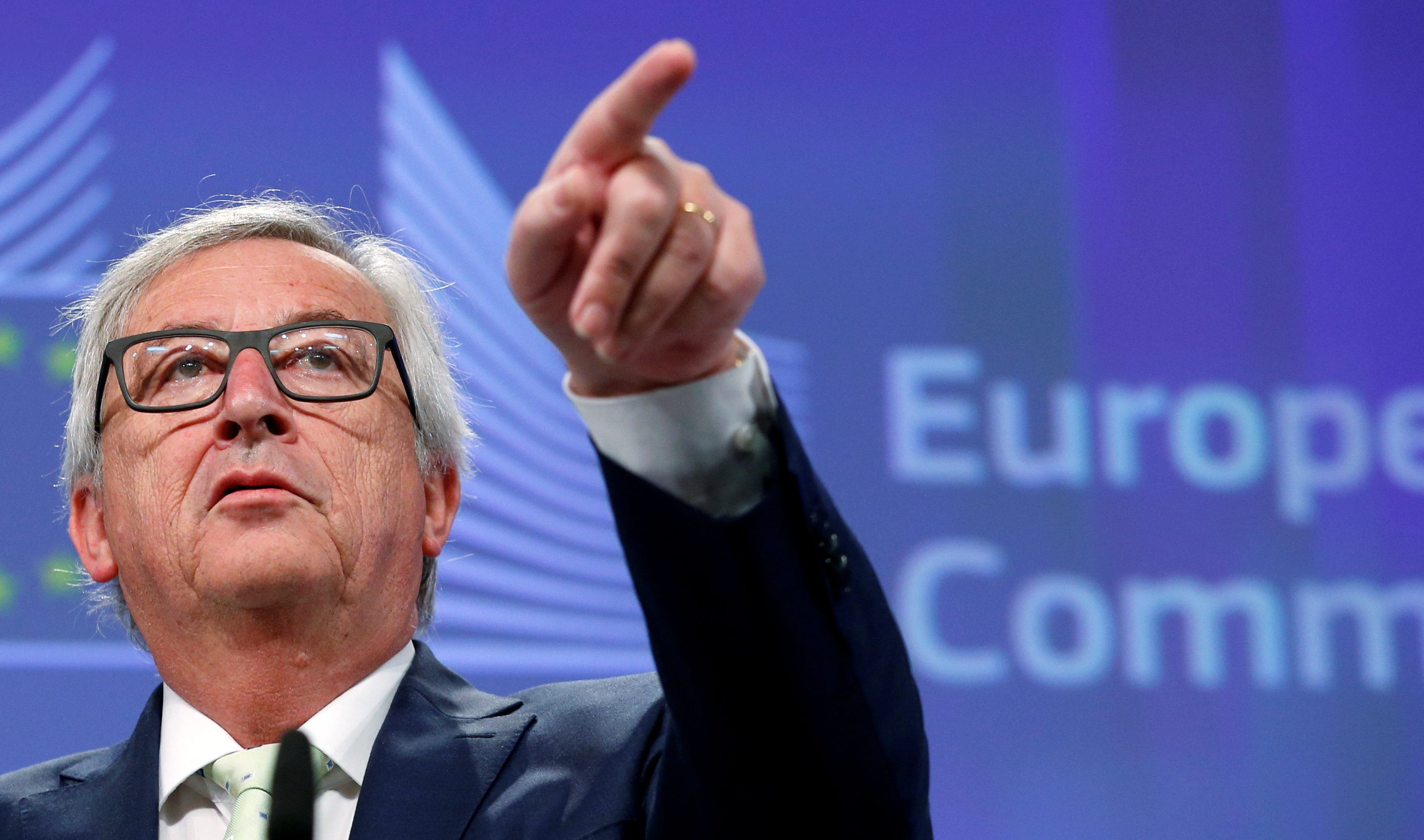 EU Commission President Juncker briefs the media after Britain voted to leave the bloc, in Brussels
