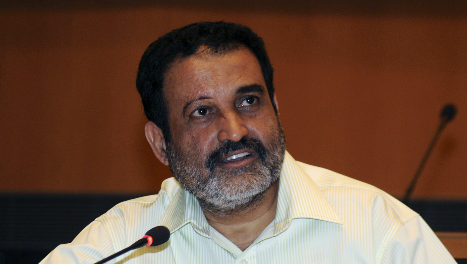 Infosys Technologies Human Resources Chief T.V. Mohandas Pai speaks with the media after the announcement of the company's quarterly financial results in Bangalore April 15, 2011. Infosys Technologies Ltd , India's No. 2 software services exporter, sparked worries about the sector's growth after it forecast annual sales lower than expected on slower client spending, knocking its shares down nearly 10 percent. Infosys said Pai, who was widely seen by analysts as the only non-founder who could become CEO, quit on Friday.