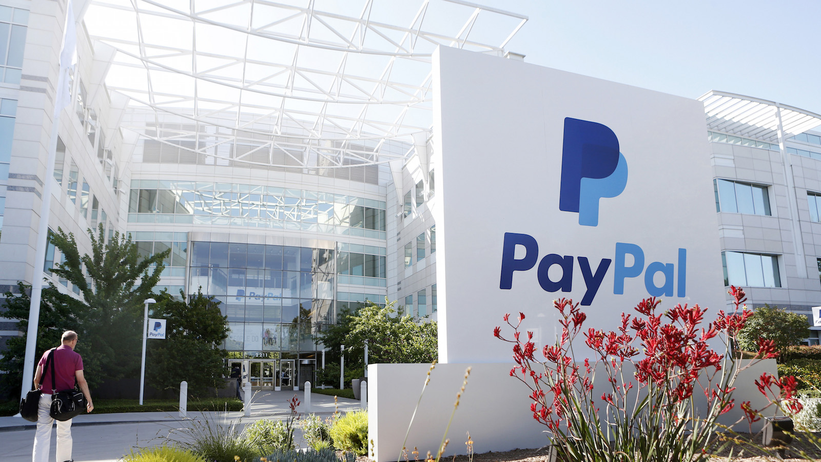 Paypal (PYPL) has partnered with Coinbase for a bitcoin deal