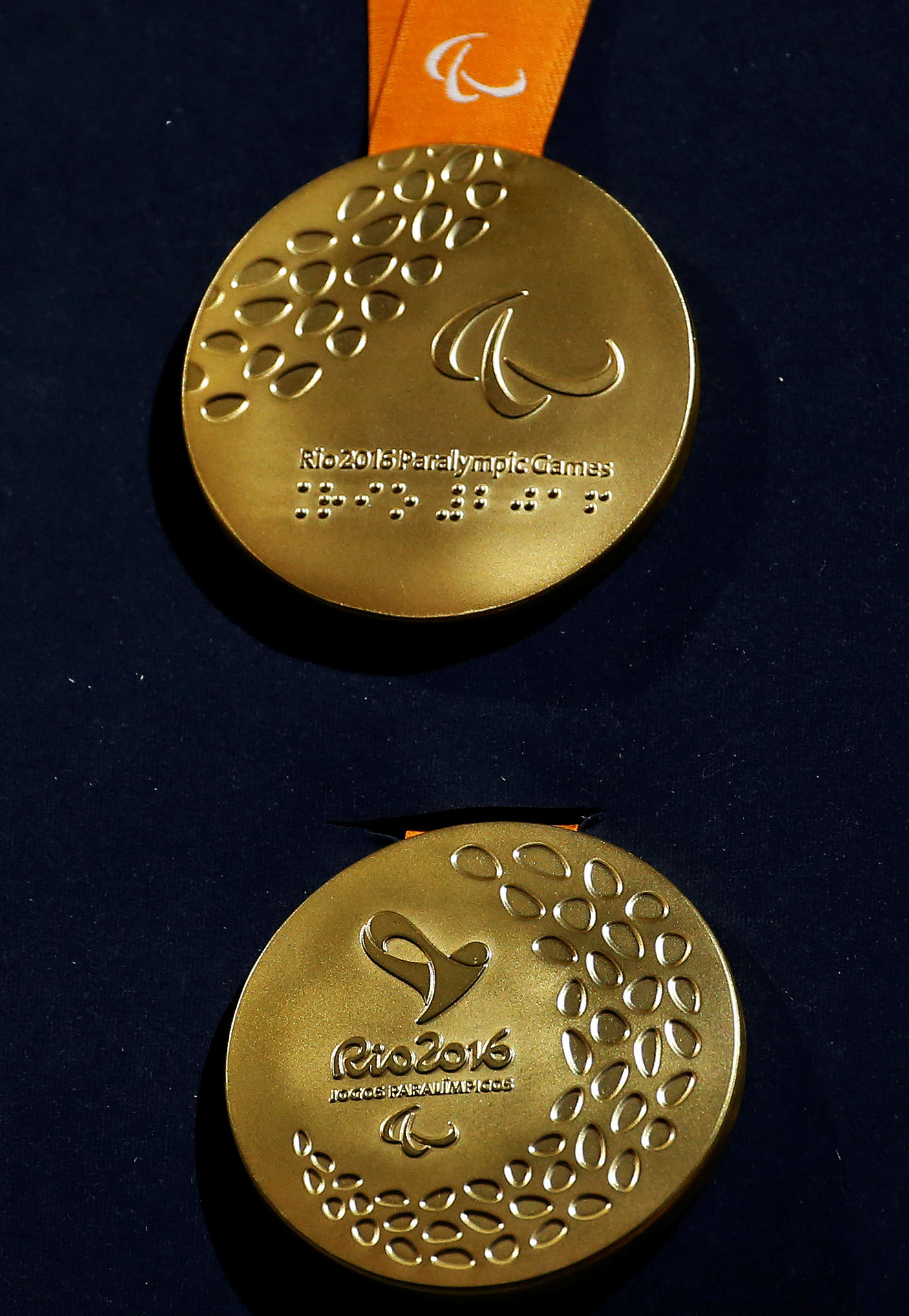 The Rio 2016 Paralympic gold medal (Reuters/Sergio Moraes)