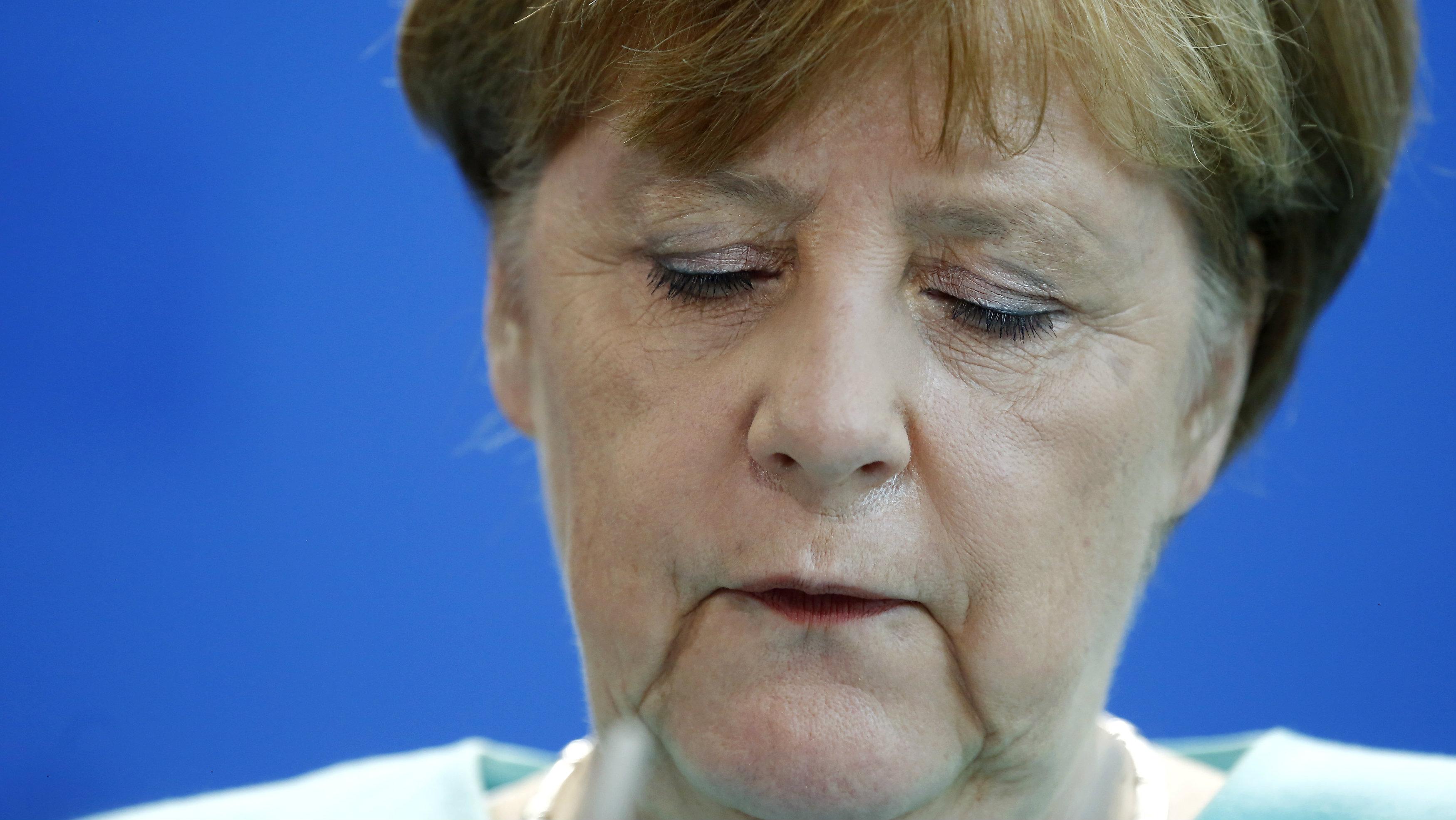 HEADLINE:German Chancellor Merkel gives a statement in Berlin